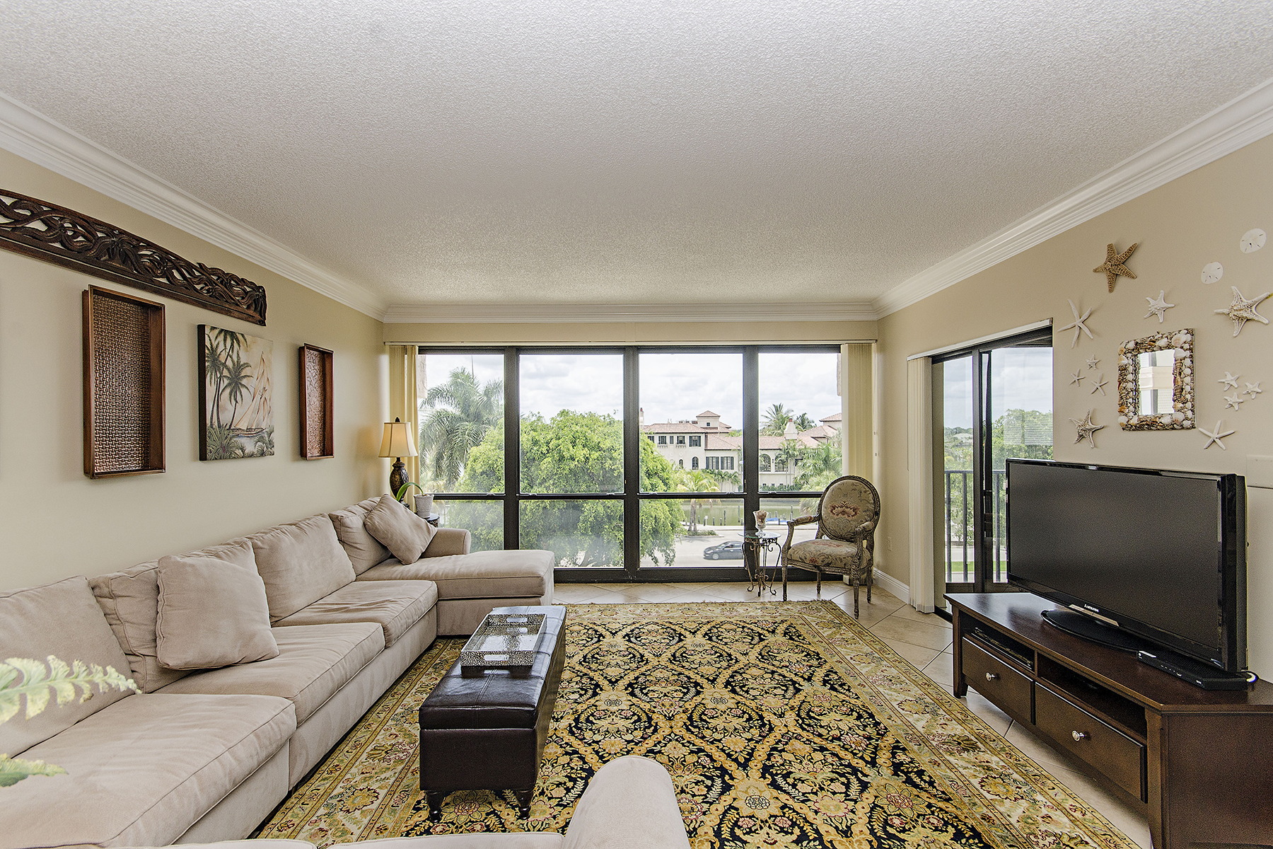 Property Of 4031 Gulf Shore Blvd N, Naples, FL 34103