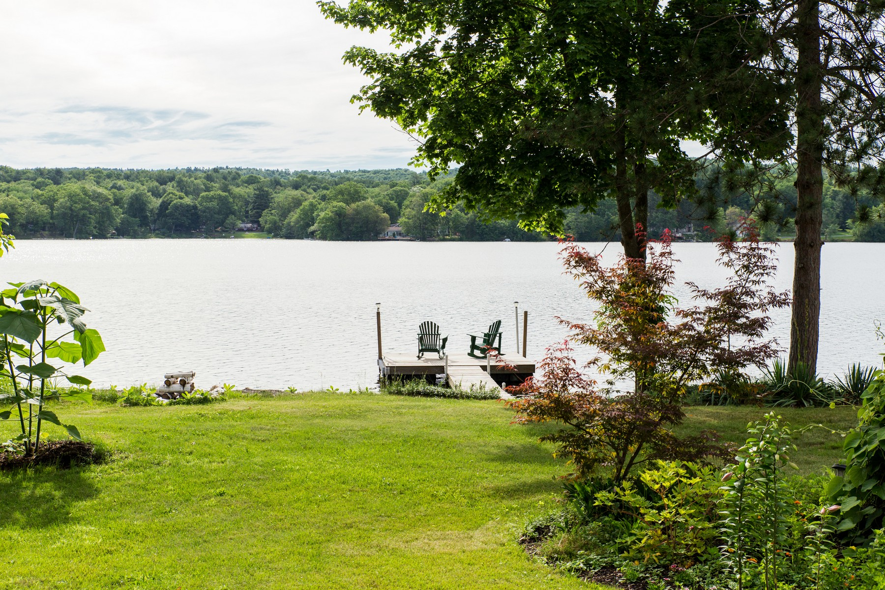 Additional photo for property listing at Stewart Point on Nassau Lake 100  Stewart Point Road Nassau, New York 12123 United States