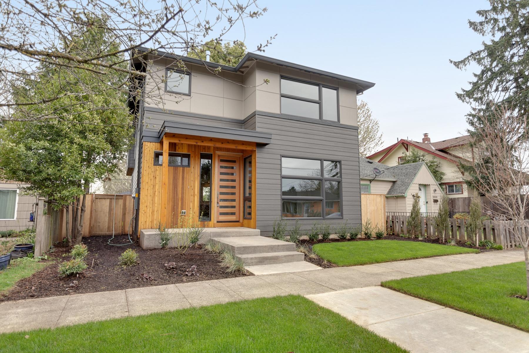 独户住宅 为 销售 在 5903 SE KNIGHT, PORTLAND 5903 SE KNIGHT St 波特兰, 俄勒冈州, 97206 美国