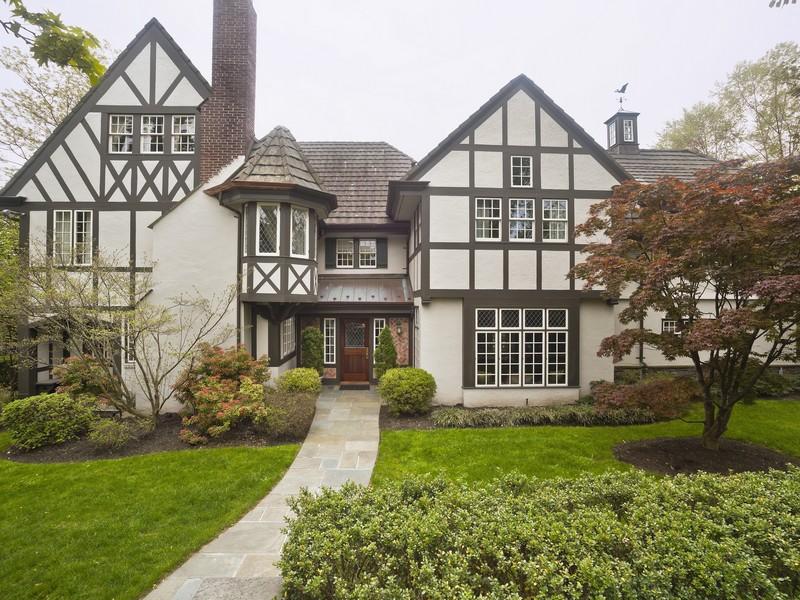 Maison unifamiliale pour l Vente à Windemere 318 Kenmore Rd Douglaston, New York 11363 États-Unis
