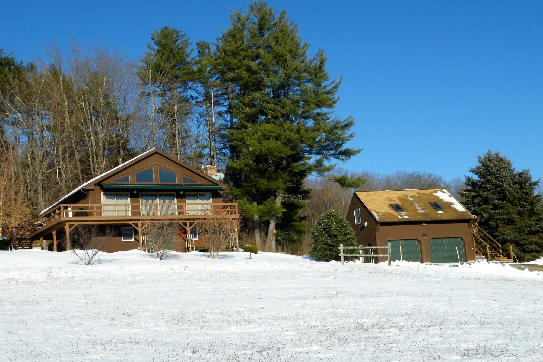 Villa per Vendita alle ore 122 Parker Hill Road, Rockingham 122 Parker Hill Rd Rockingham, Vermont, 05101 Stati Uniti