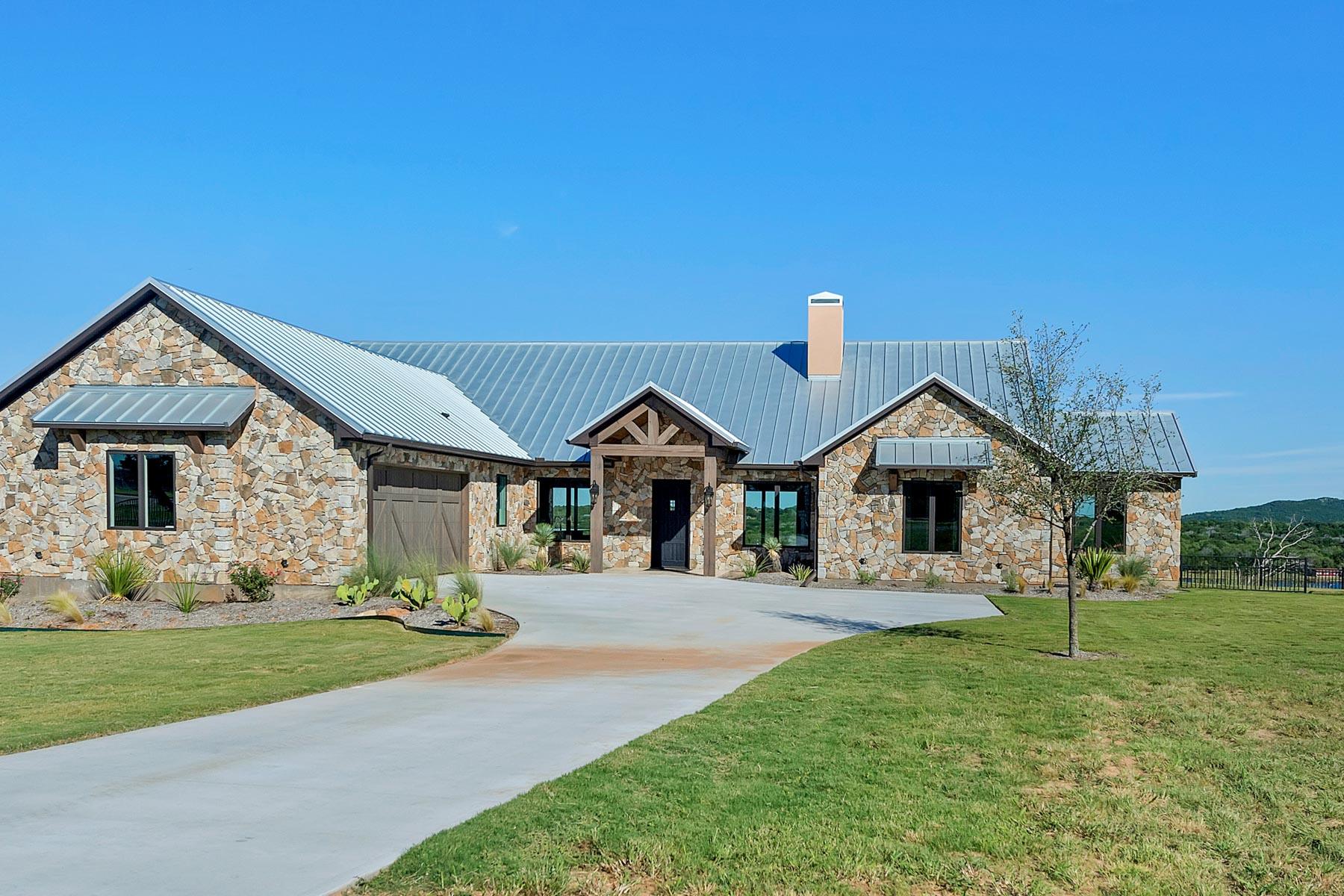 Casa Unifamiliar por un Venta en 6033 Hells Gate Loop, Strawn Strawn, Texas, 76475 Estados Unidos