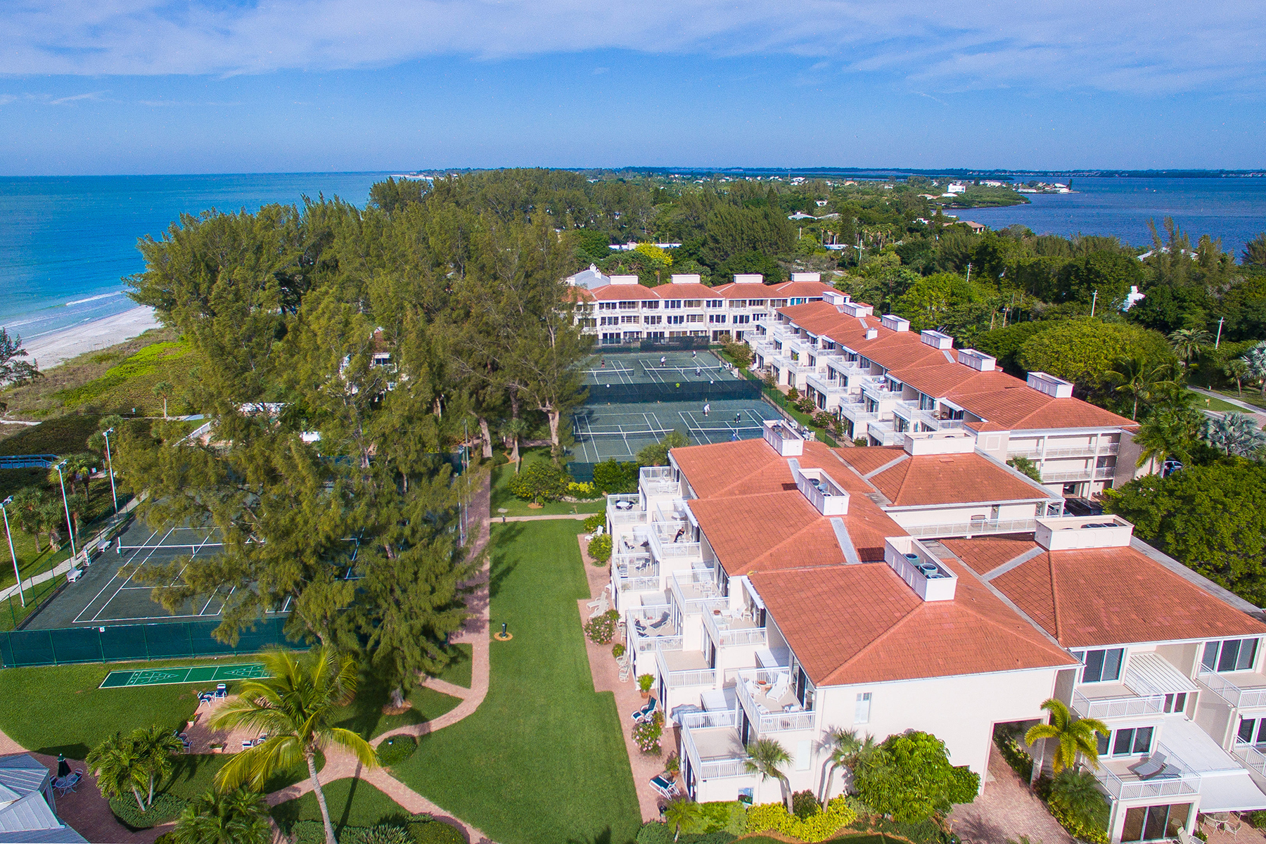 Piso por un Venta en CLUB LONGBOAT BEACH & TENNIS 5055 Gulf Of Mexico Dr 324 Longboat Key, Florida 34228 Estados Unidos