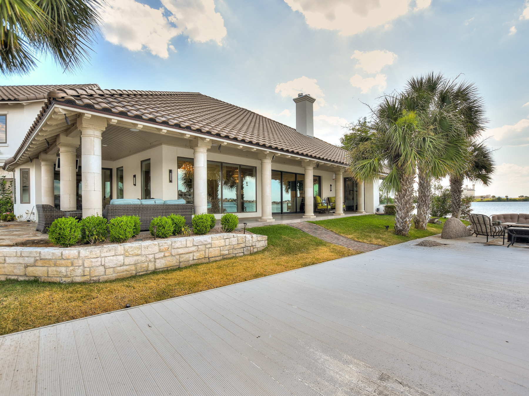 Additional photo for property listing at The Best of Horseshoe Bay 1022 Red Sails Horseshoe Bay, Texas 78657 United States