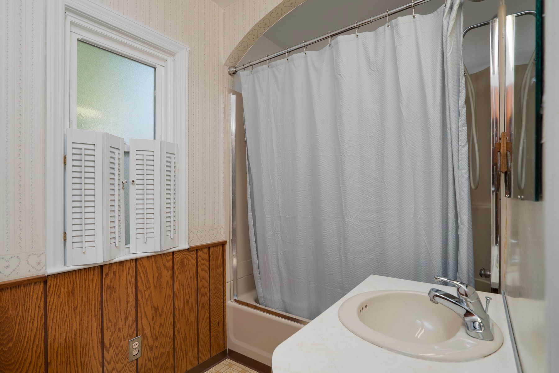 Additional photo for property listing at GiGi's Home 974  Lawrence Ave Aurora, New York 14052 United States