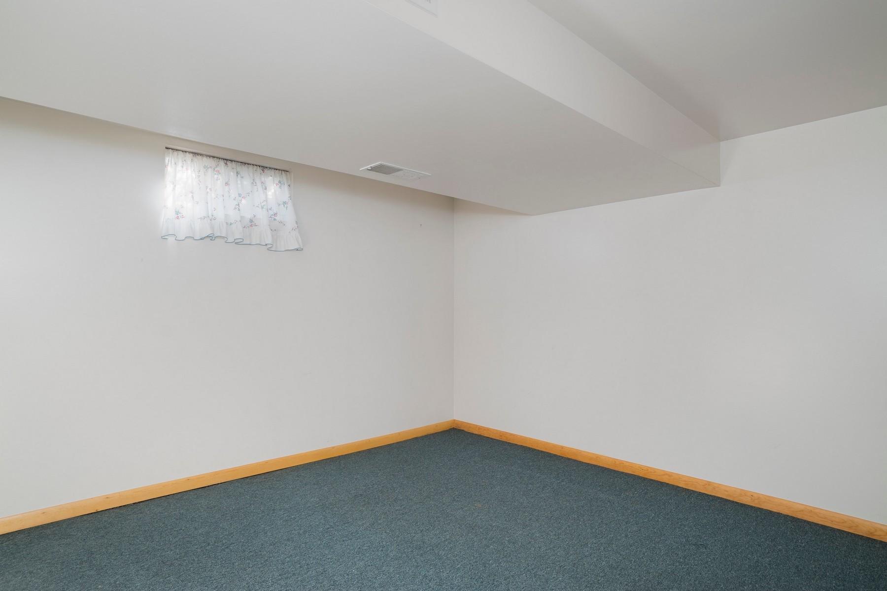 Additional photo for property listing at GiGi's Home 974  Lawrence Ave Aurora, Nueva York 14052 Estados Unidos