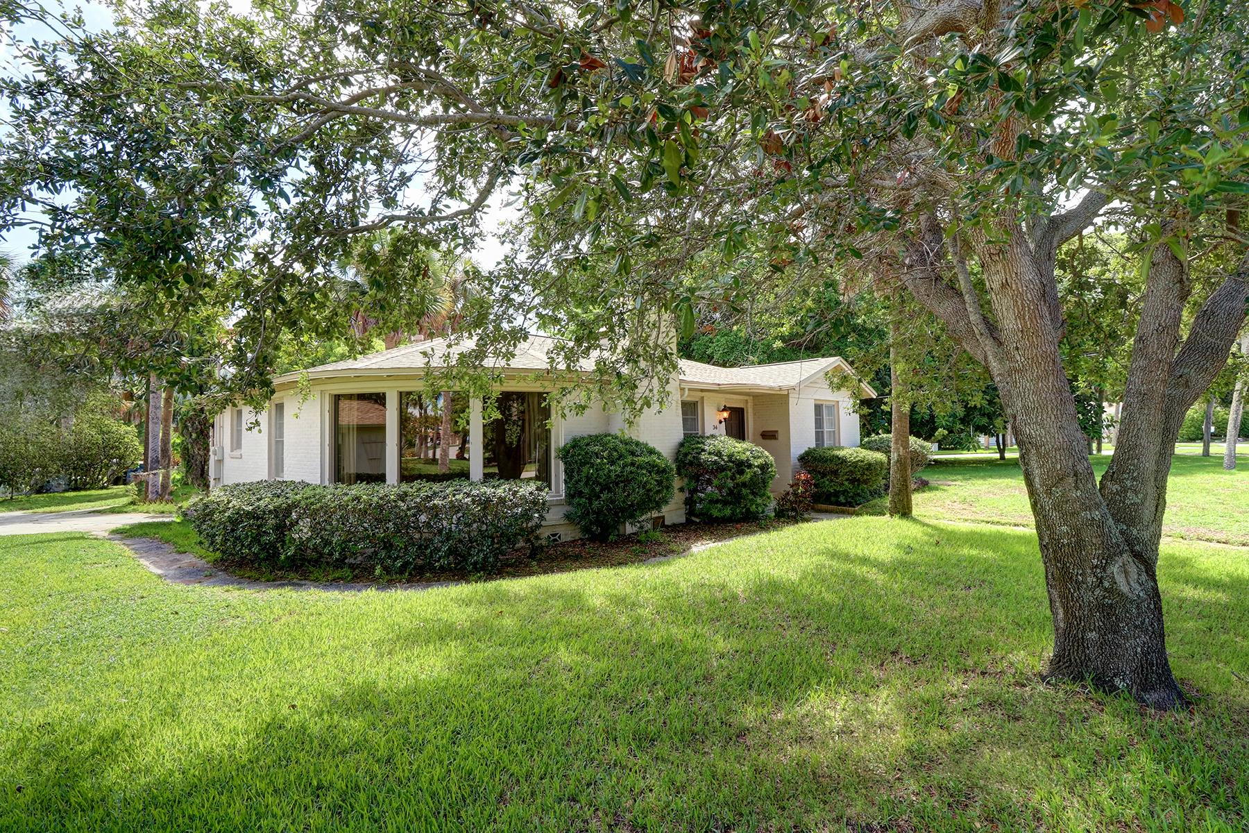 獨棟家庭住宅 為 出售 在 CLEARWATER 34 Bohenia Cir N Clearwater Beach, 佛羅里達州, 33767 美國