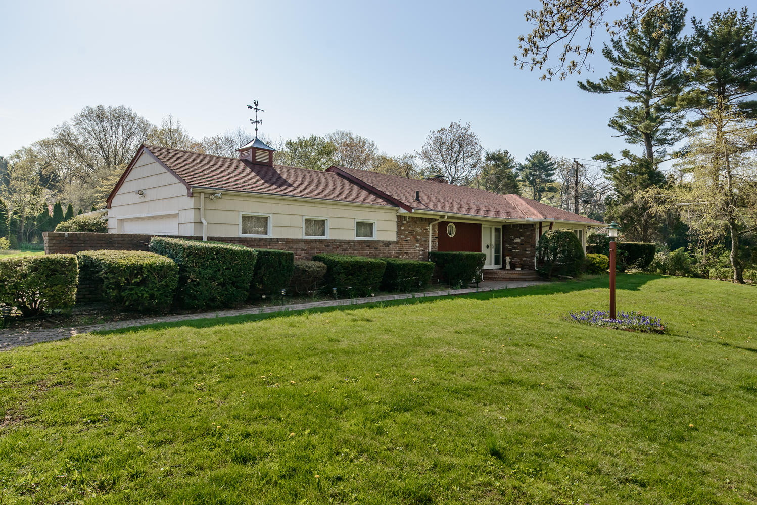 Single Family Home for Sale at Ranch 225 Glen Cove Rd Old Westbury, New York, 11568 United States