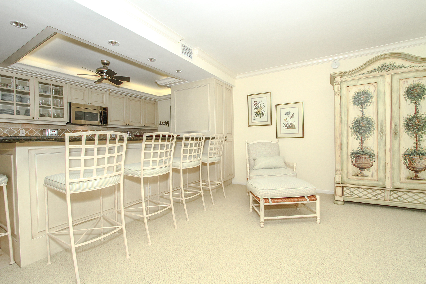 Property Of 3000 Gulf Shore Blvd N, 409, Naples, FL 34103