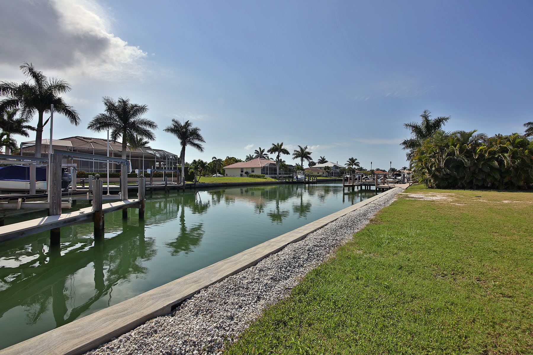 Terreno per Vendita alle ore MARCO ISLAND - BATTERSEA COURT 411 Battersea Ct Marco Island, Florida, 34145 Stati Uniti