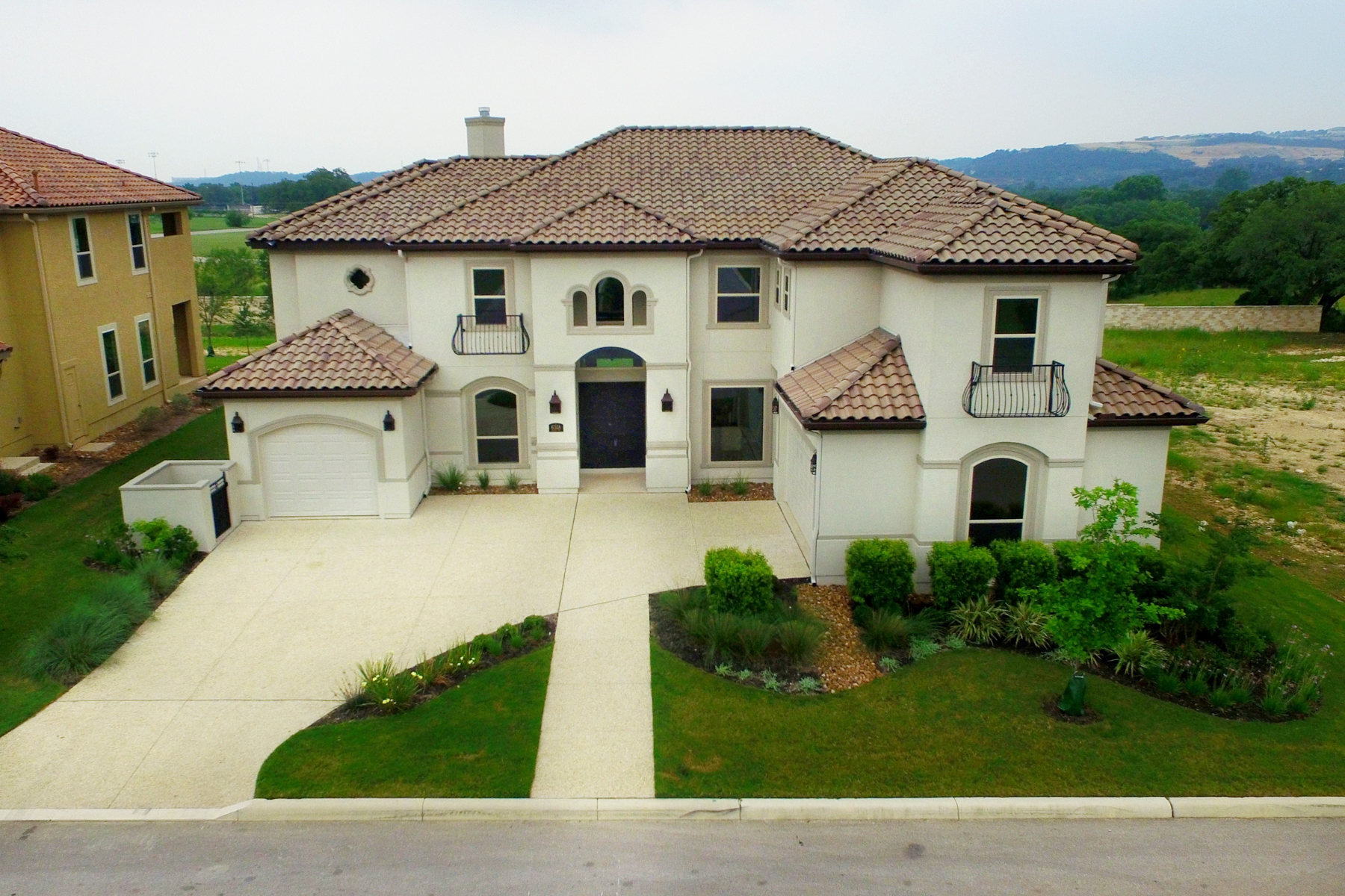 Maison unifamiliale pour l Vente à Stunning Mediterranean Estate in The Dominion 6318 Sevilla Way The Dominion, San Antonio, Texas, 78257 États-Unis