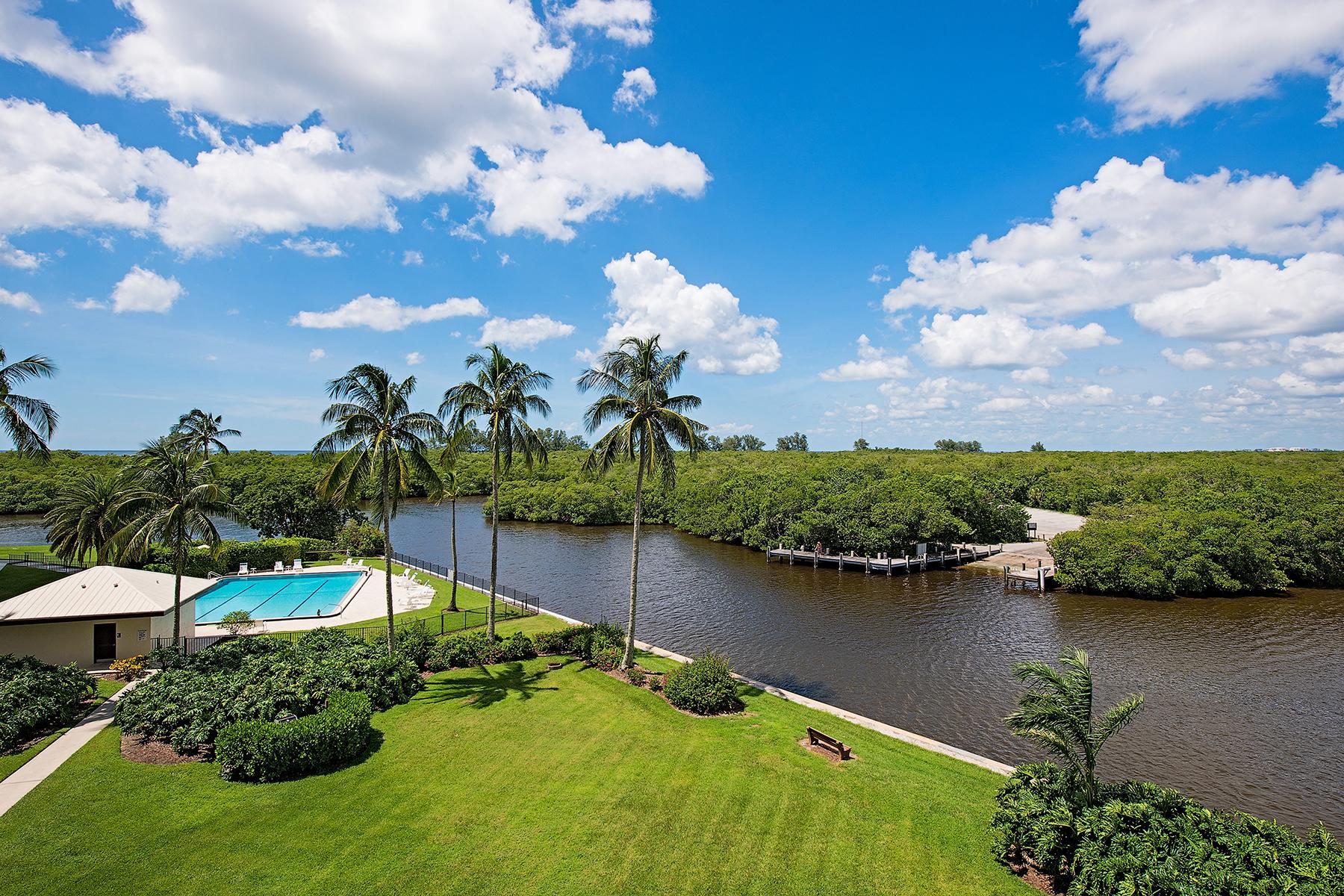 Nhà chung cư vì Bán tại VANDERBILT SURF COLONY 17 Bluebill Ave 305 Naples, Florida, 34108 Hoa Kỳ