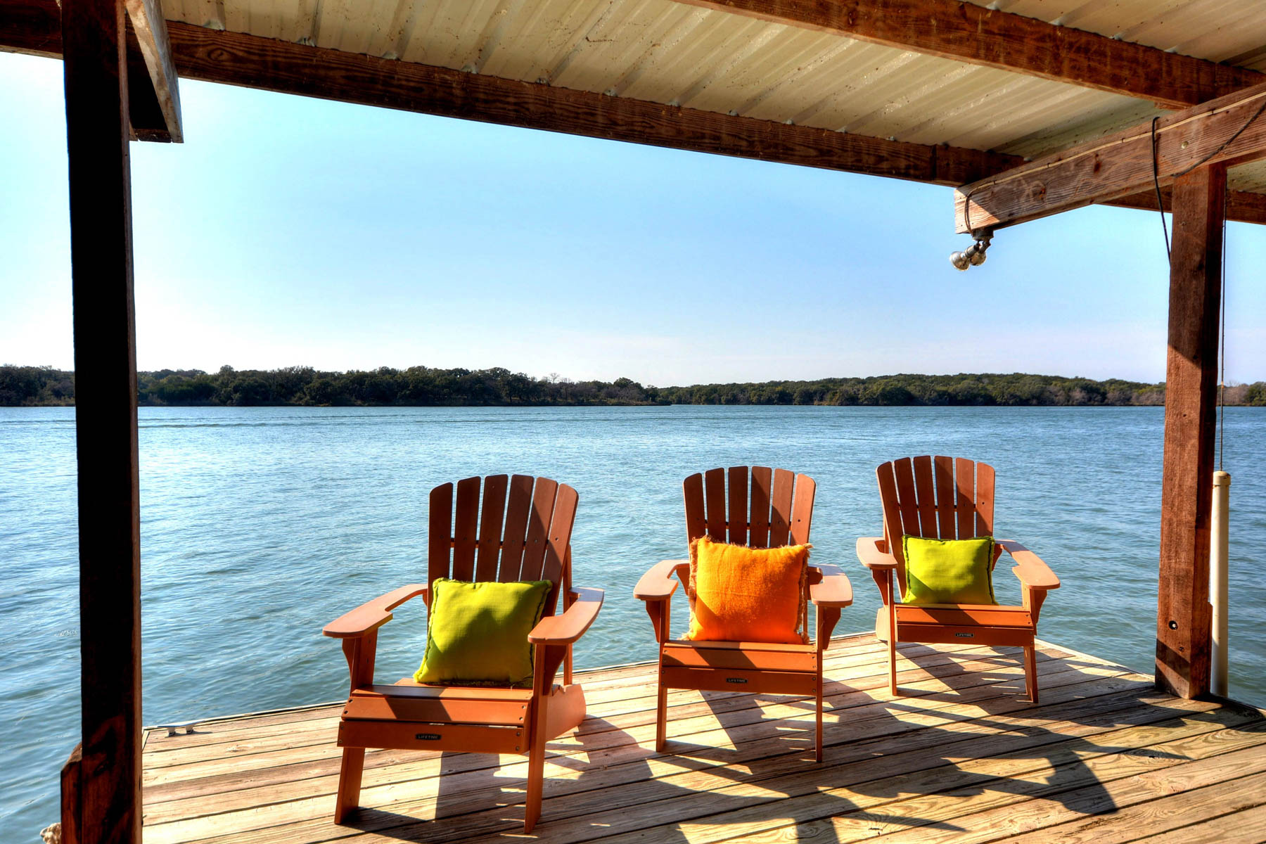 Casa Unifamiliar por un Venta en Enjoy the Good Life on Lake LBJ 110 Circle Pt Kingsland, Texas 78639 Estados Unidos