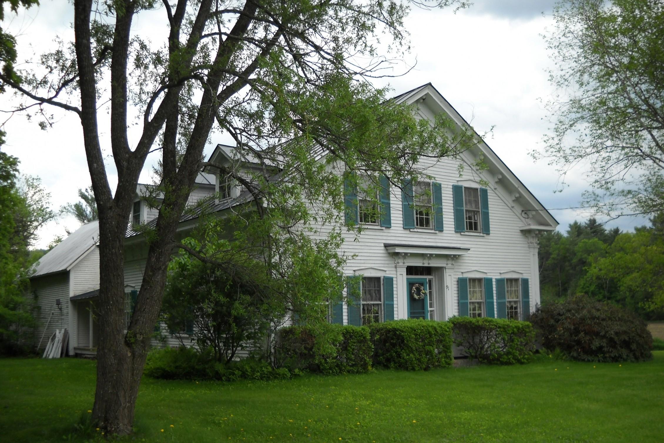 Moradia para Venda às 91 River Road, Orford 91 River Rd Orford, New Hampshire 03777 Estados Unidos
