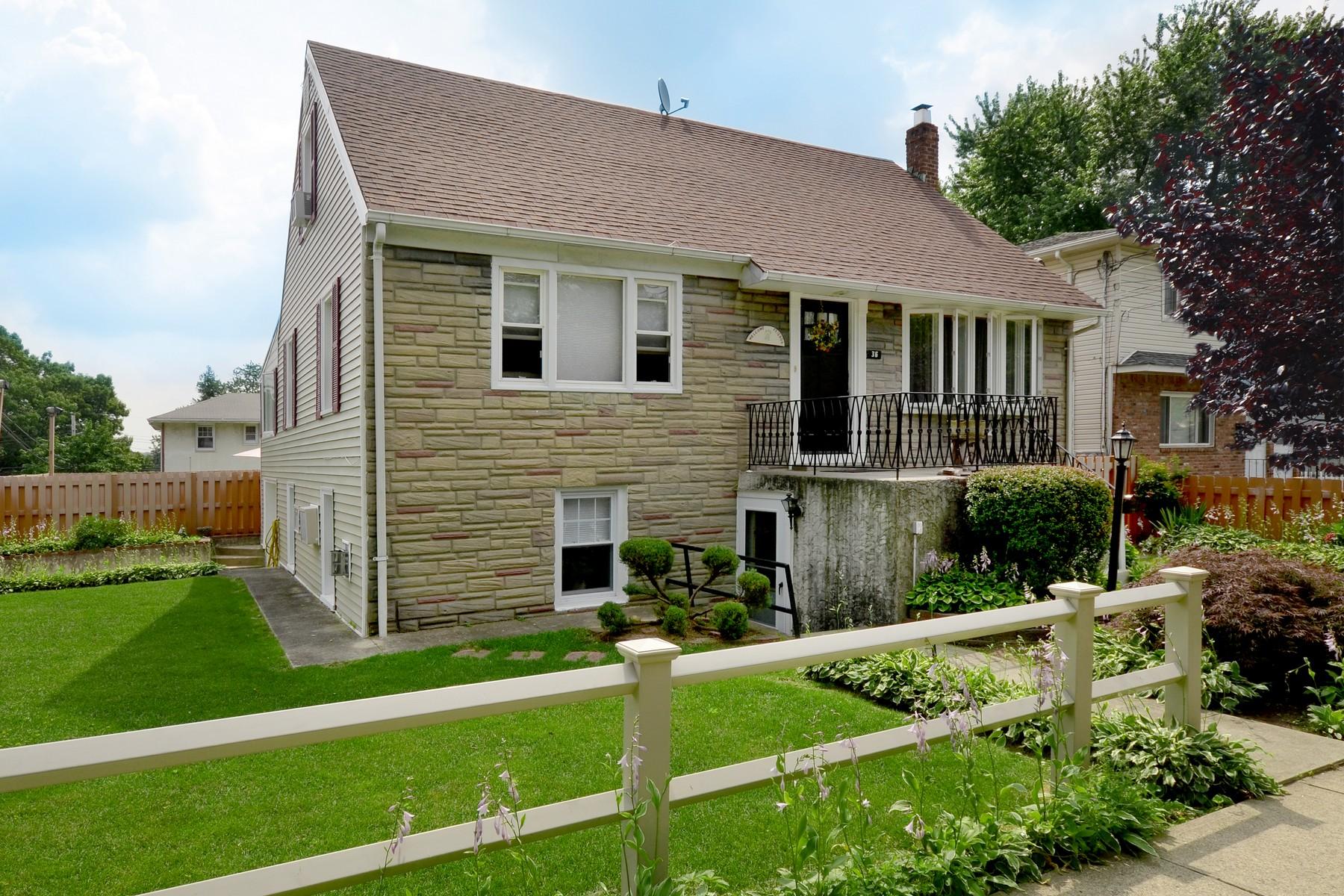 아파트 용 매매 에 Apt In House 36 N Marwood Rd Lower Lower Port Washington, 뉴욕 11050 미국