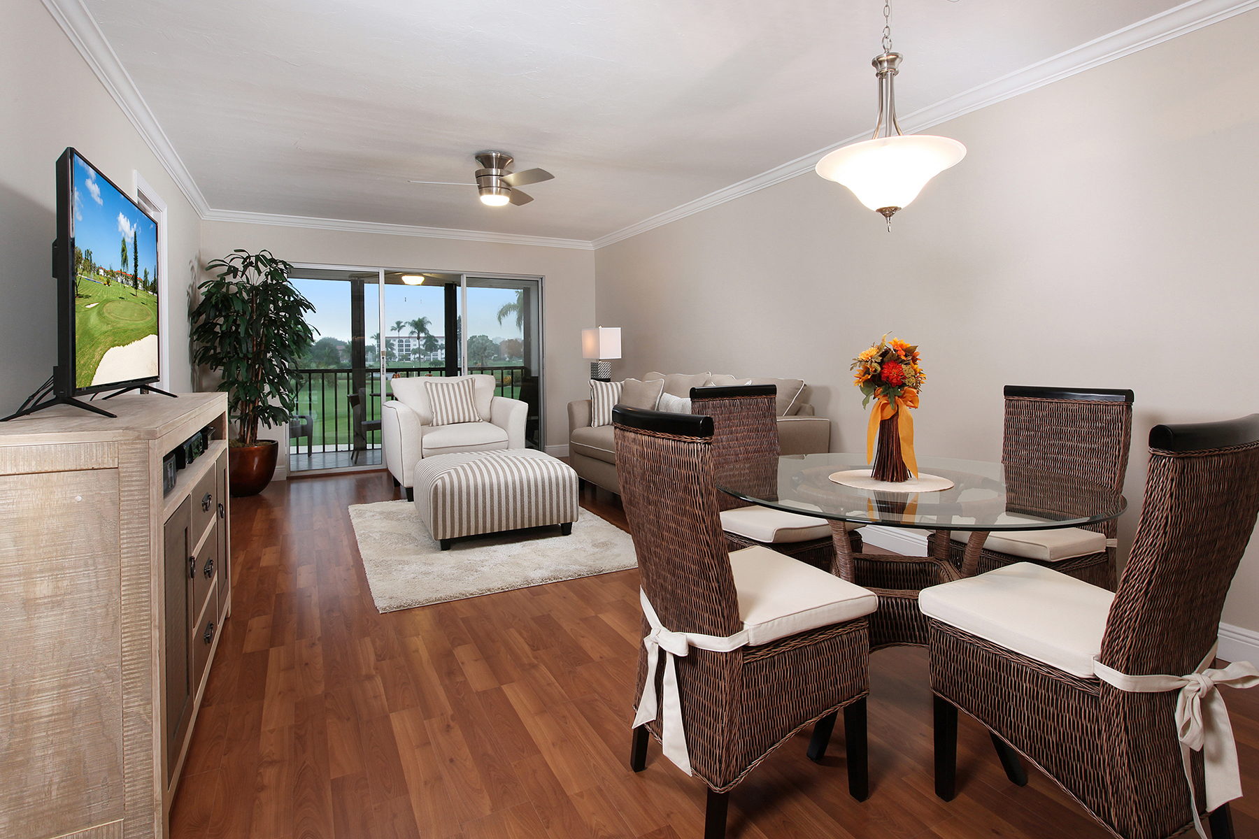 Condominio per Vendita alle ore HIGH POINT - HIGH POINT COUNTRY CLUB 29 High Point Cir E 202 Naples, Florida 34103 Stati Uniti