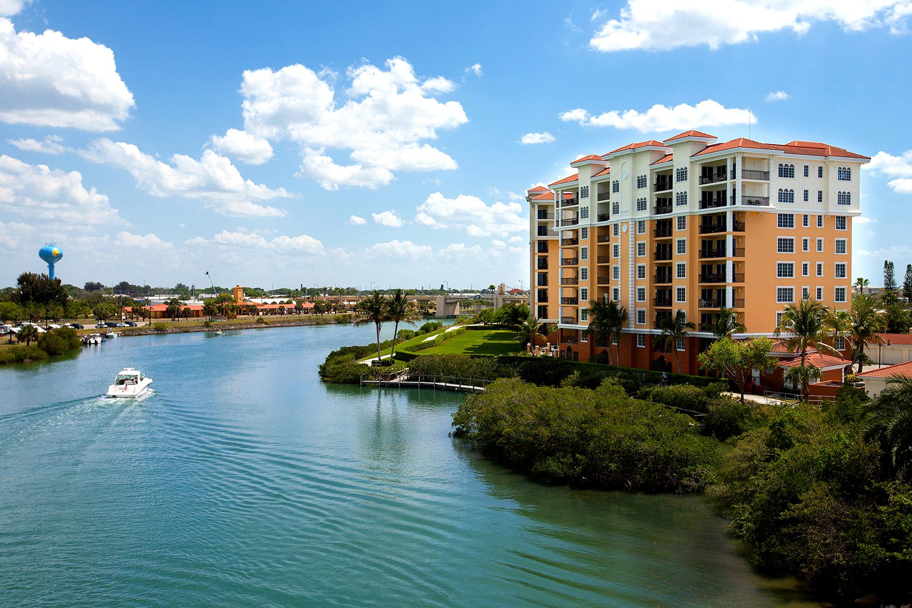 콘도미니엄 용 매매 에 WATERFRONT ON VENICE ISLAND 147 Tampa Ave E 303 Venice, 플로리다 34285 미국
