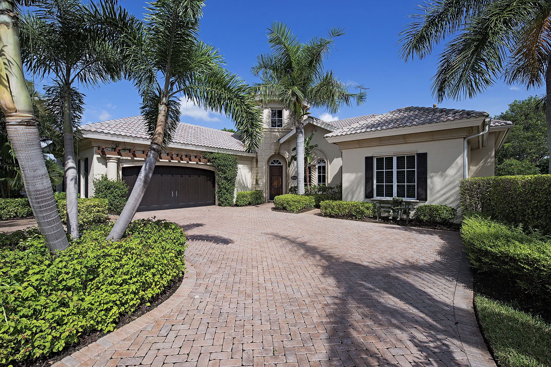 Maison unifamiliale pour l Vente à FIDDLER'S CREEK - MAJORCA 8584 Majorca Ln Naples, Florida 34114 États-Unis