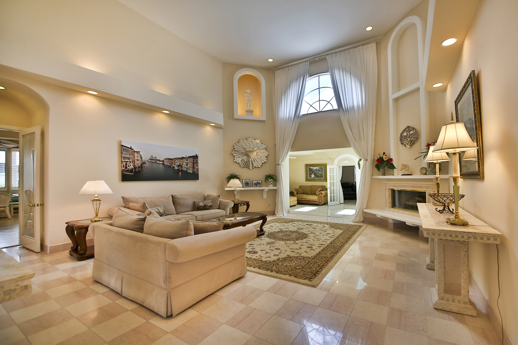 Casa Unifamiliar por un Venta en MARCO ISLAND - COPPERFIELD COURT 331 Copperfield Ct Marco Island, Florida 34145 Estados Unidos