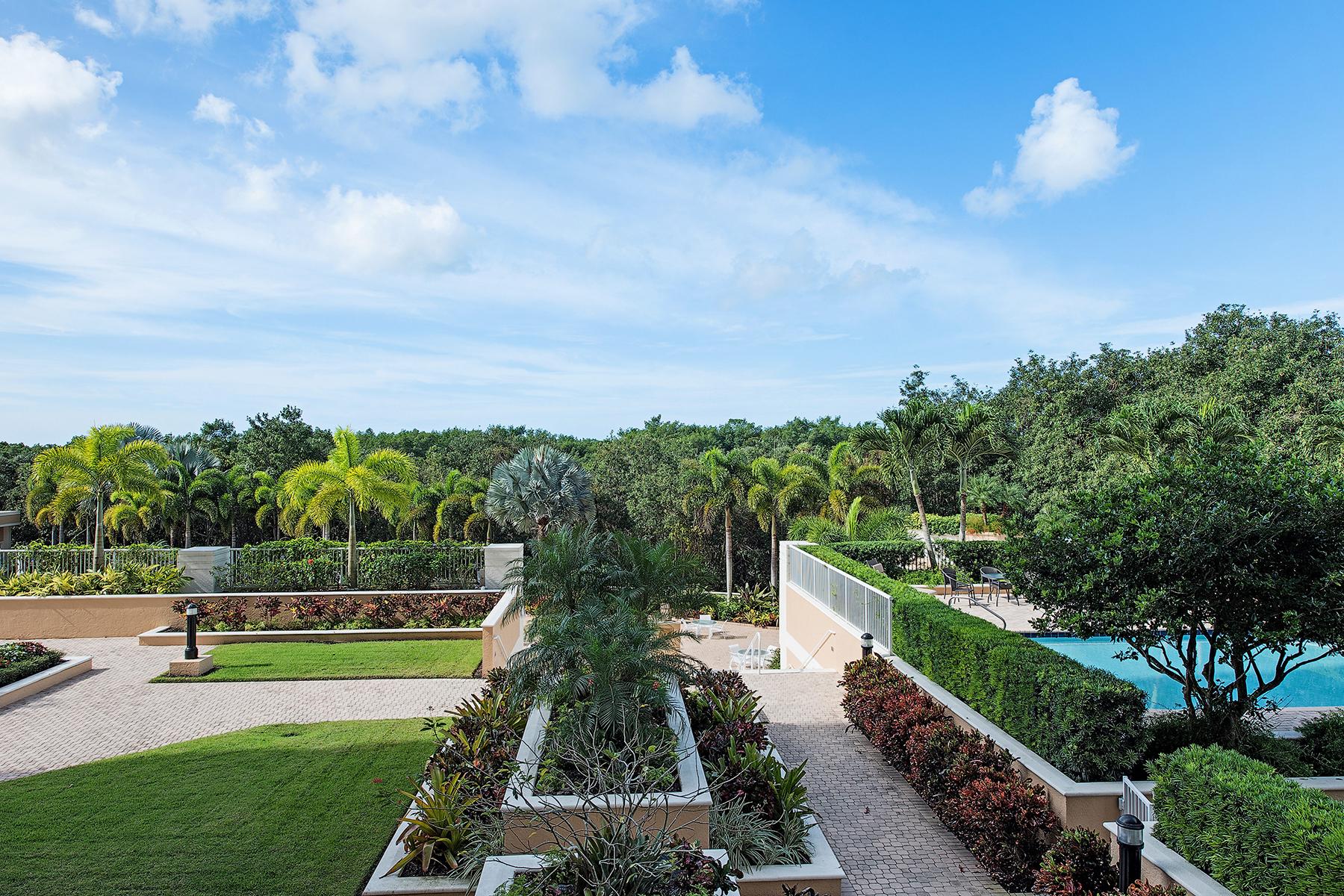 Nhà chung cư vì Bán tại ST. RAPHAEL 7117 Pelican Bay Blvd 206 Naples, Florida 34108 Hoa Kỳ