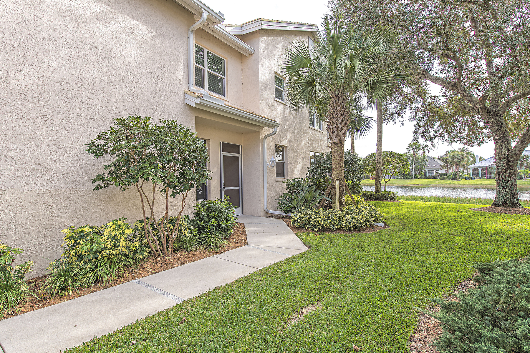 sales property at PELICAN LANDING - LAKEMONT COVE