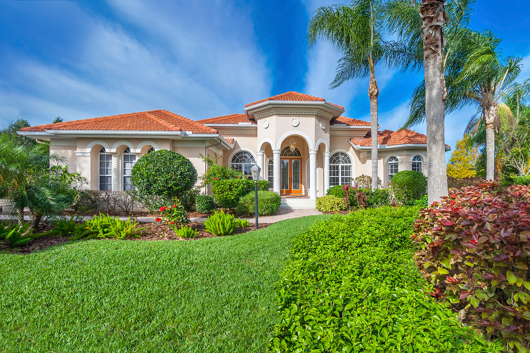 Single Family Home for Sale at LAKEWOOD RANCH COUNTRY CLUB 7804 Rosehall Cv Lakewood Ranch, Florida, 34202 United States