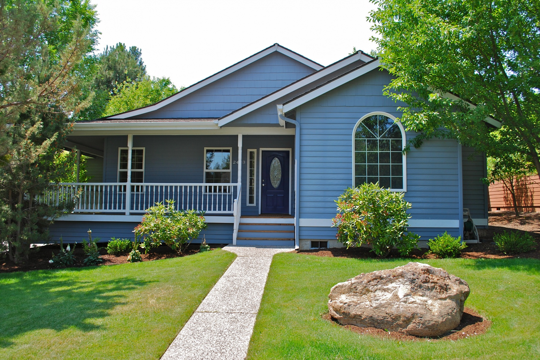 Single Family Home for Sale at 2423 NW Hemmingway St Bend, Oregon 97701 United States