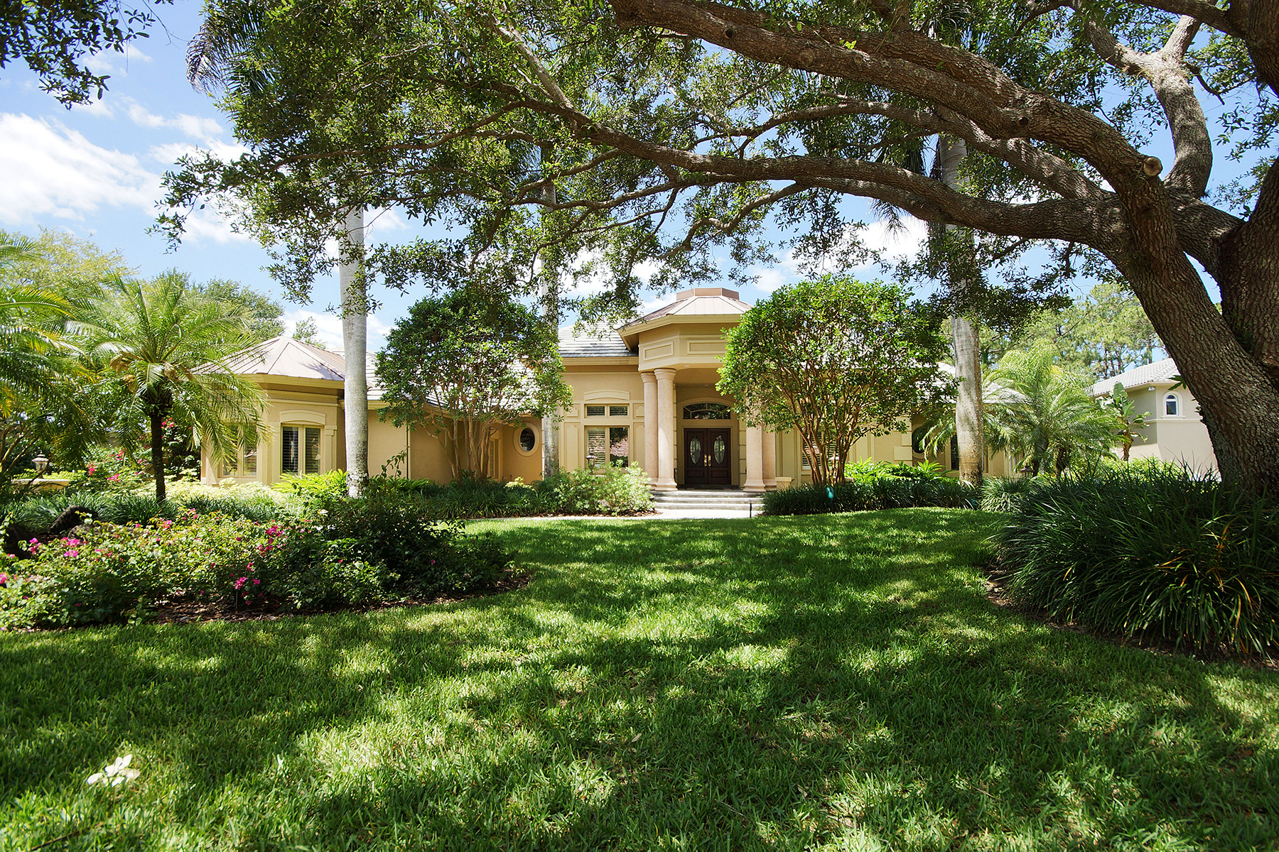 Single Family Home for Sale at 2629 Bulrush Ln , Naples, FL 34105 2629 Bulrush Ln Naples, Florida, 34105 United States
