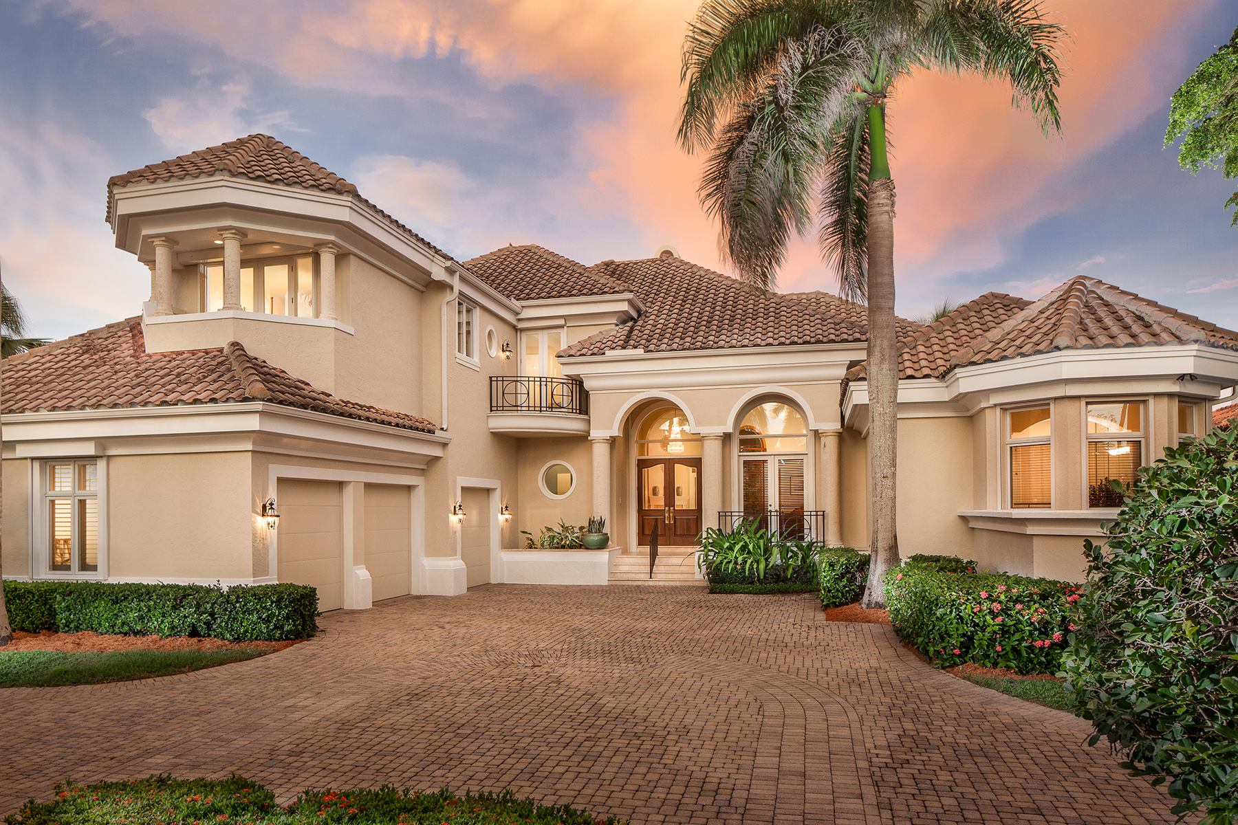 Single Family Home for Sale at PORT ROYAL - CUTLASS COVE 4225 Gordon Dr Naples, Florida, 34102 United States