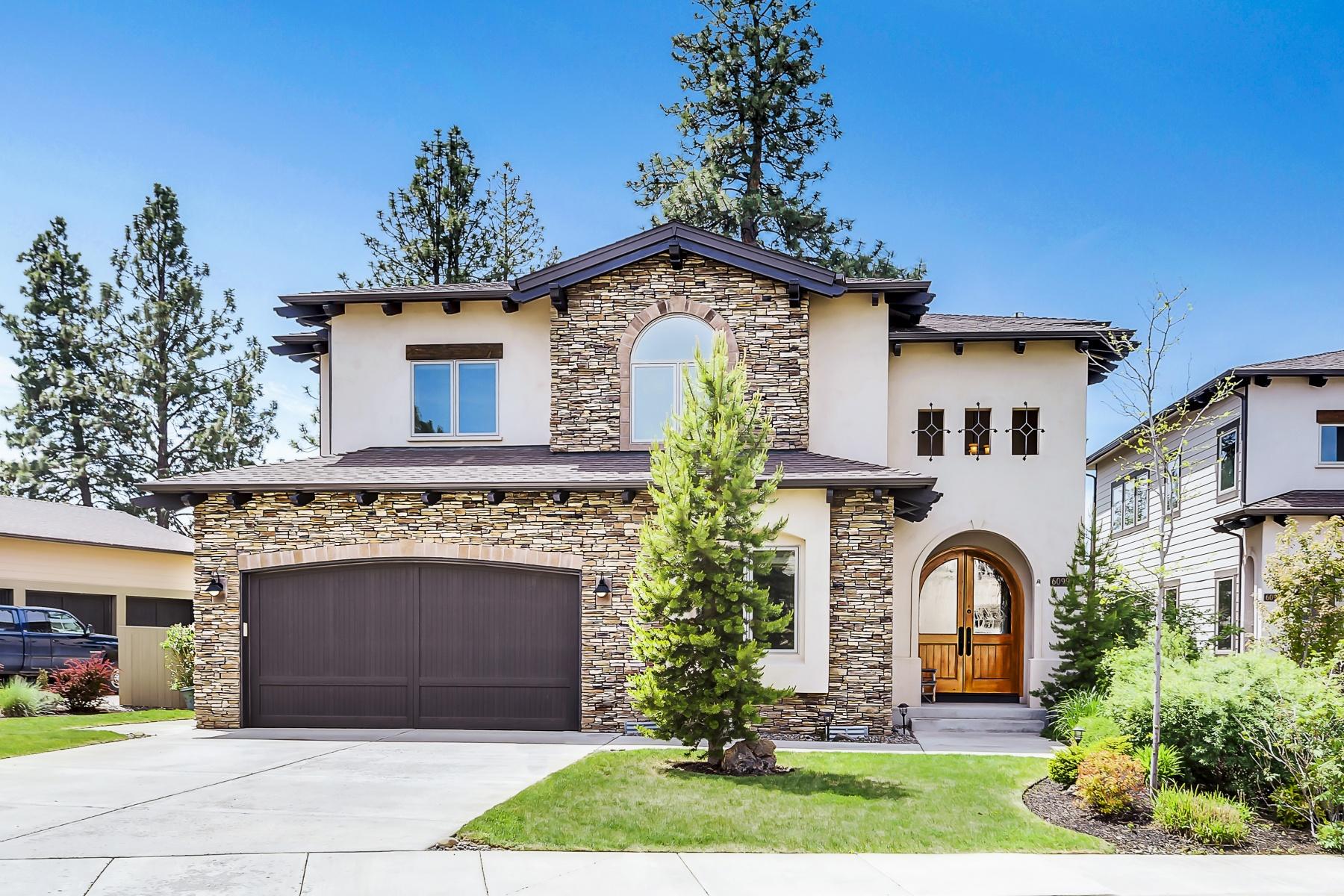 独户住宅 为 销售 在 60990 Woods Valley Place, BEND 本德, 俄勒冈州, 97702 美国