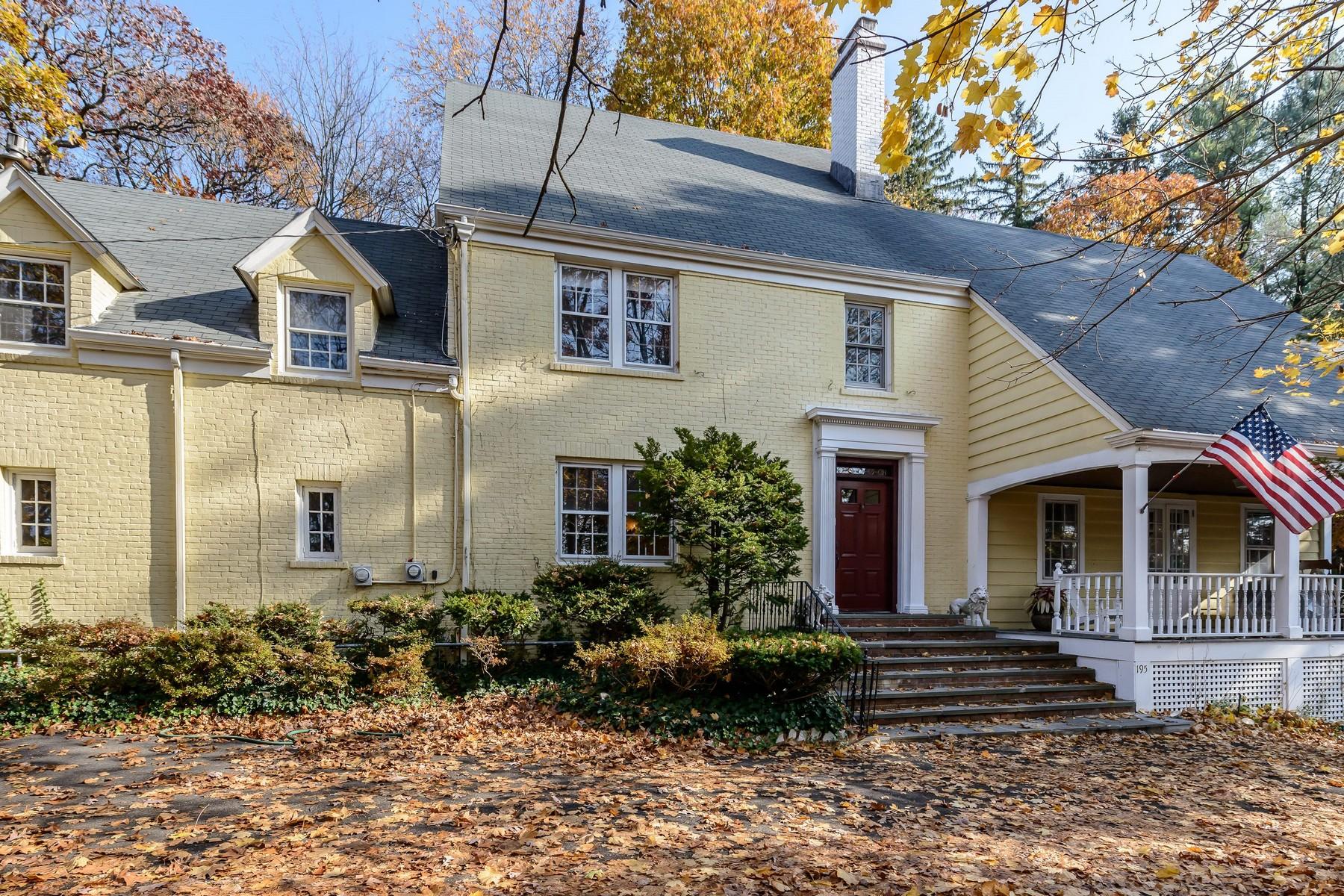 一戸建て のために 売買 アット Colonial 195 Cedar Swamp Rd Glen Head, ニューヨーク, 11545 アメリカ合衆国