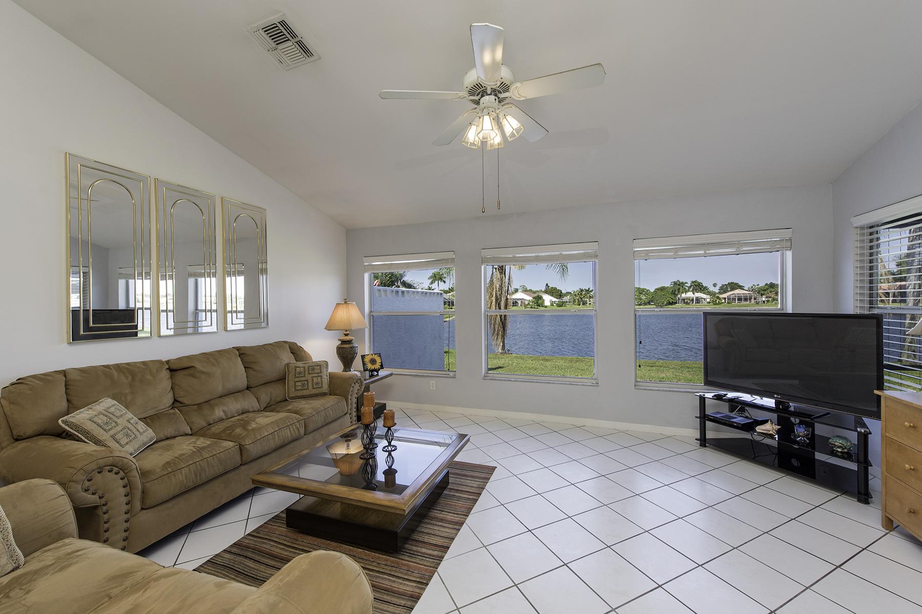 Einfamilienhaus für Verkauf beim BERKSHIRE LAKES 644 Lambton Ln Naples, Florida, 34104 Vereinigte Staaten