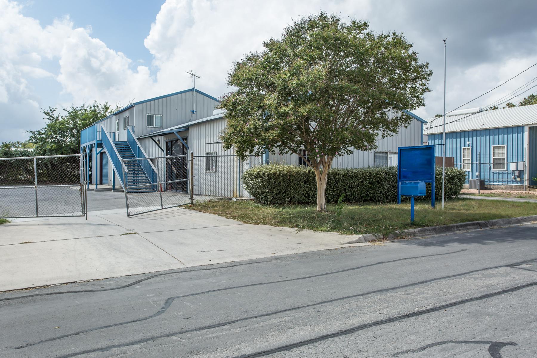 Comercial por un Venta en Great Commercial Property in Boerne 111 Parkway Boerne, Texas 78006 Estados Unidos