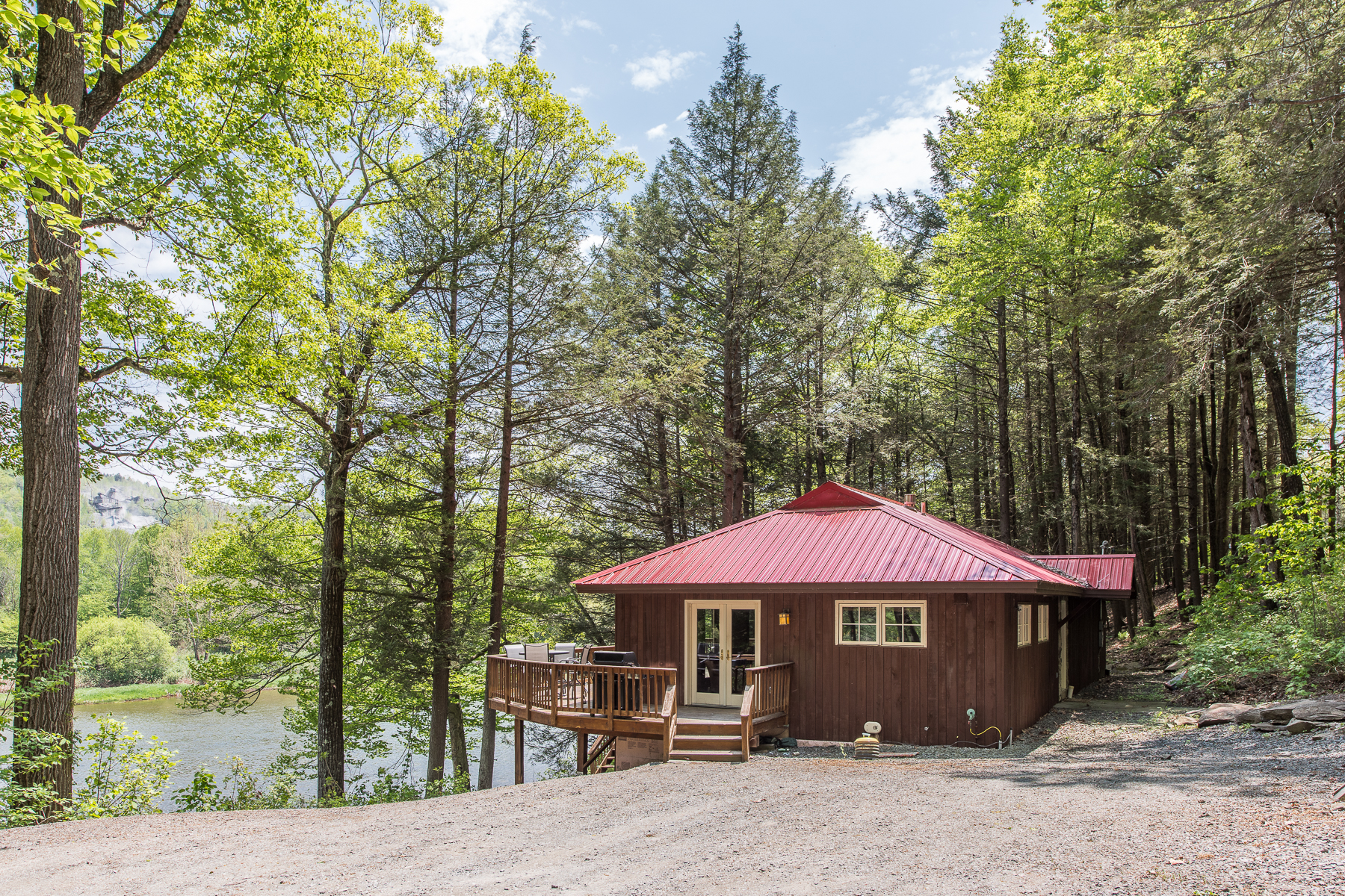 Additional photo for property listing at Delaware River Fishing Retreat 2045  Peas Eddy Rd Hancock, New York 13783 États-Unis