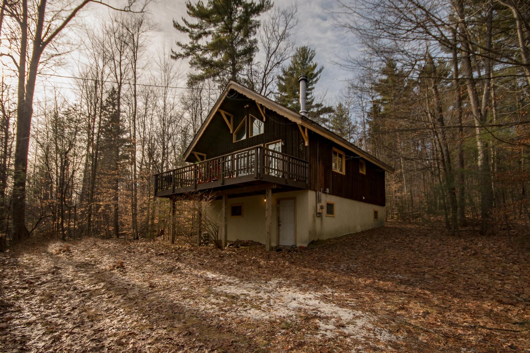 Частный односемейный дом для того Продажа на Private Chalet 28 Ash Lane Jay, Нью-Йорк 12941 Соединенные Штаты
