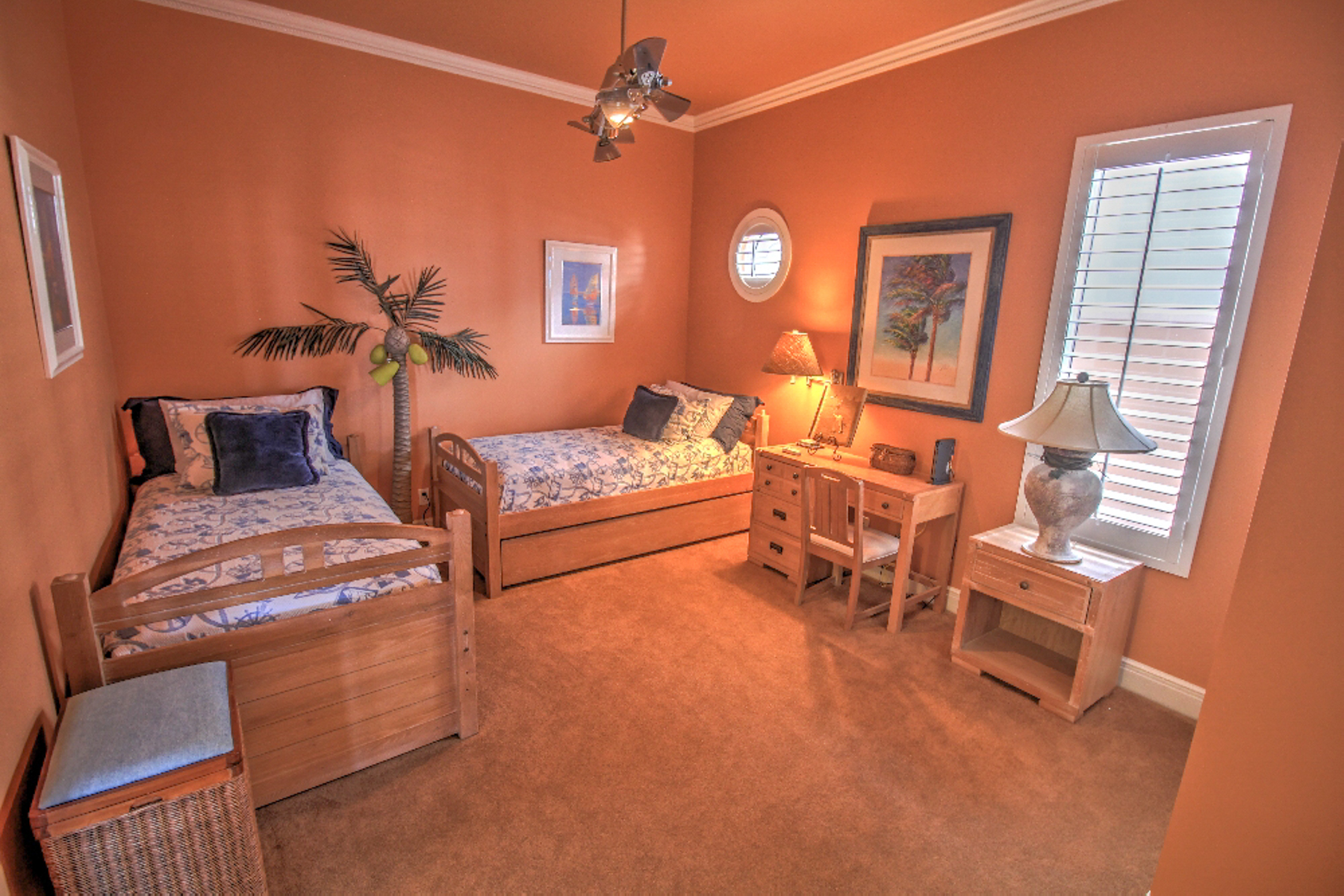 Additional photo for property listing at Stunning Ocean Front Home 6516 Beach Dr South Padre Island, Texas 78597 Estados Unidos
