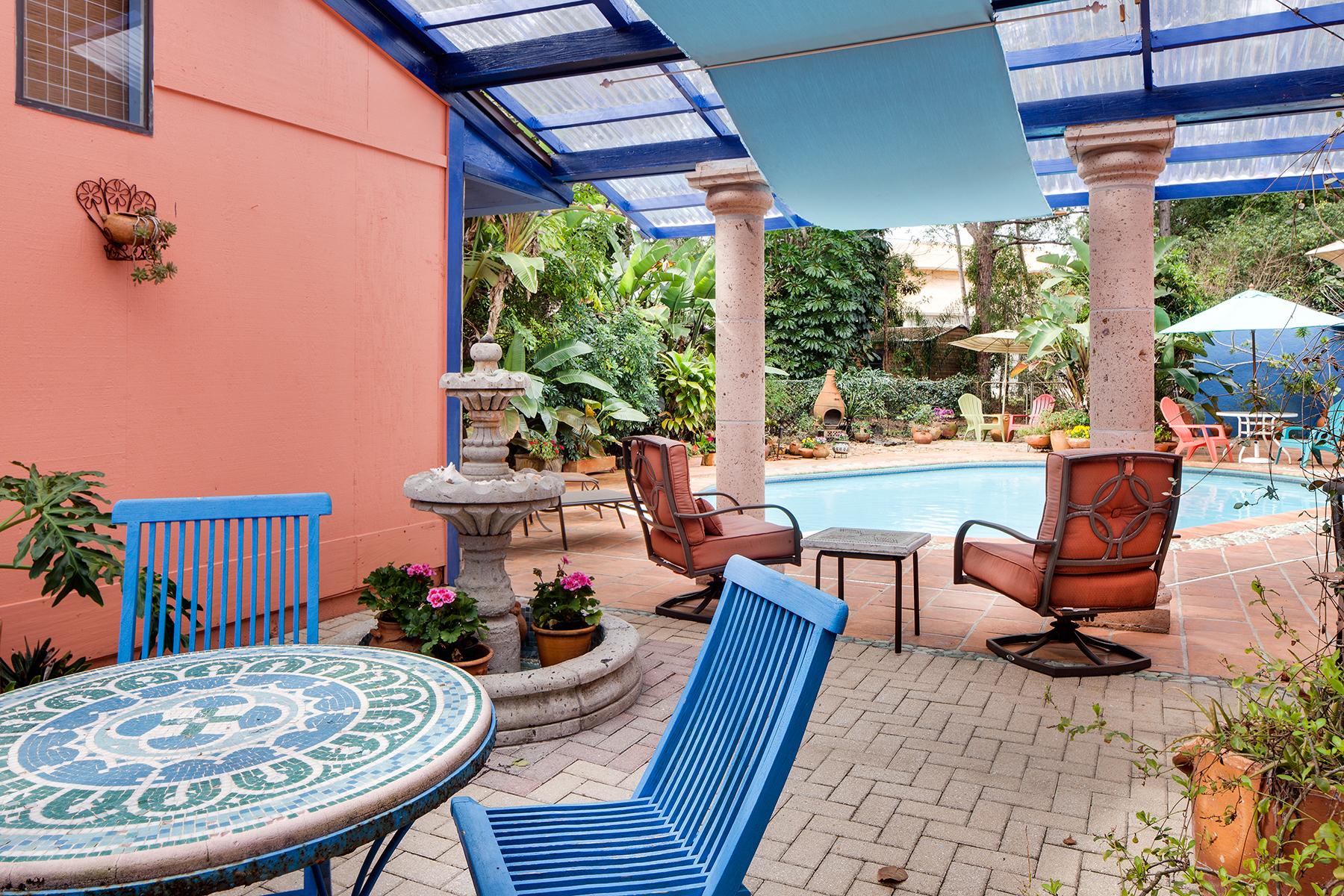 Maison unifamiliale pour l Vente à PINE RIDGE 728 Carica Rd Naples, Florida, 34108 États-Unis