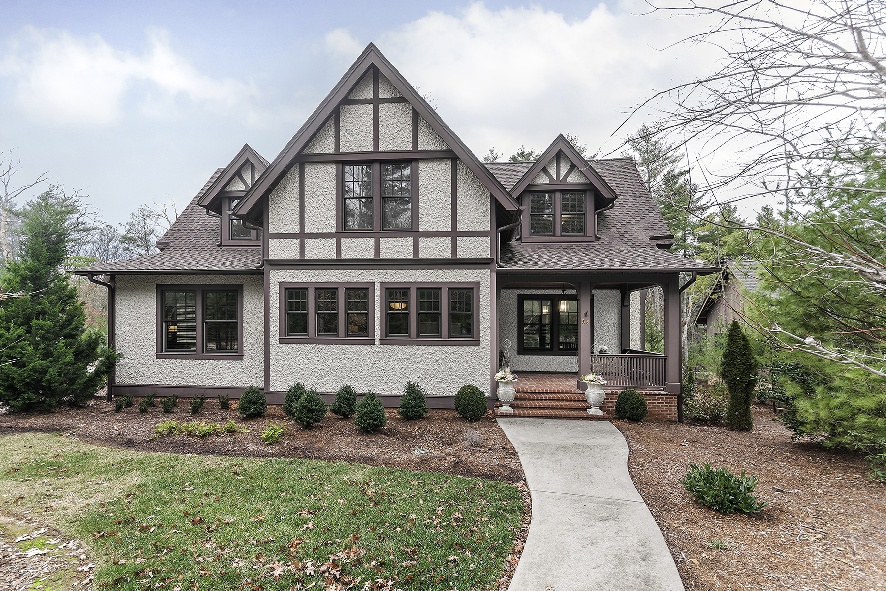 Single Family Home for Sale at RAMBLE BILTMORE FOREST 53 Nethermead Dr Asheville, North Carolina, 28803 United States
