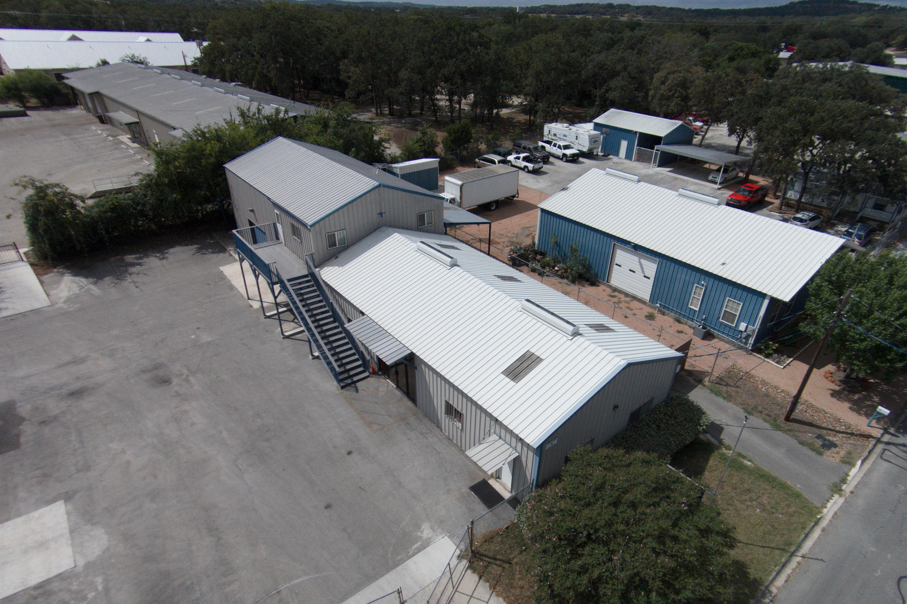 Additional photo for property listing at Great Commercial Property in Boerne 111 Parkway Boerne, Texas 78006 Estados Unidos