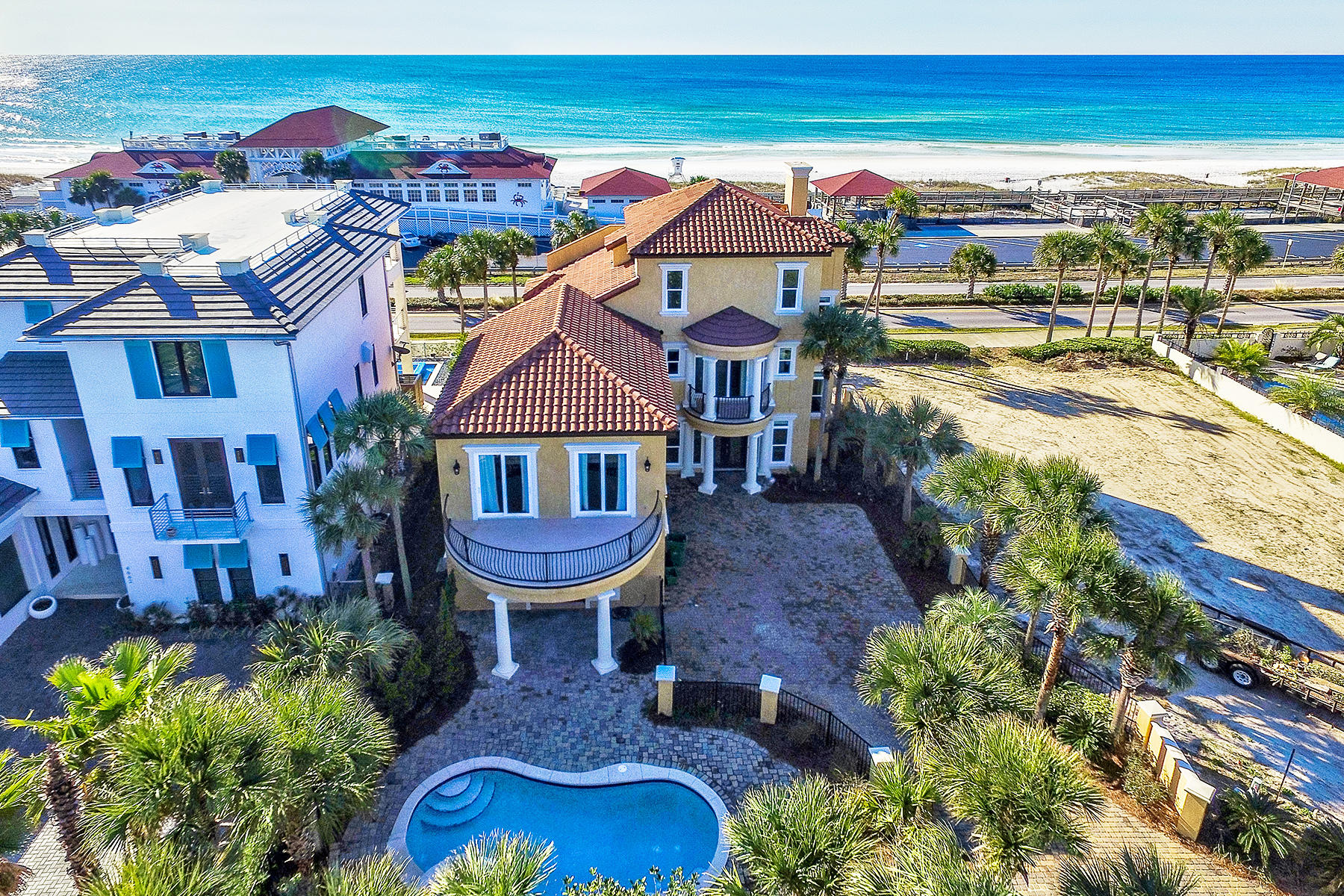 Casa Unifamiliar por un Venta en BEACH SIDE MANOR WITH UNOBSTRUCTED GULF VIEWS 4660 Destiny Way Destin, Florida, 32541 Estados Unidos