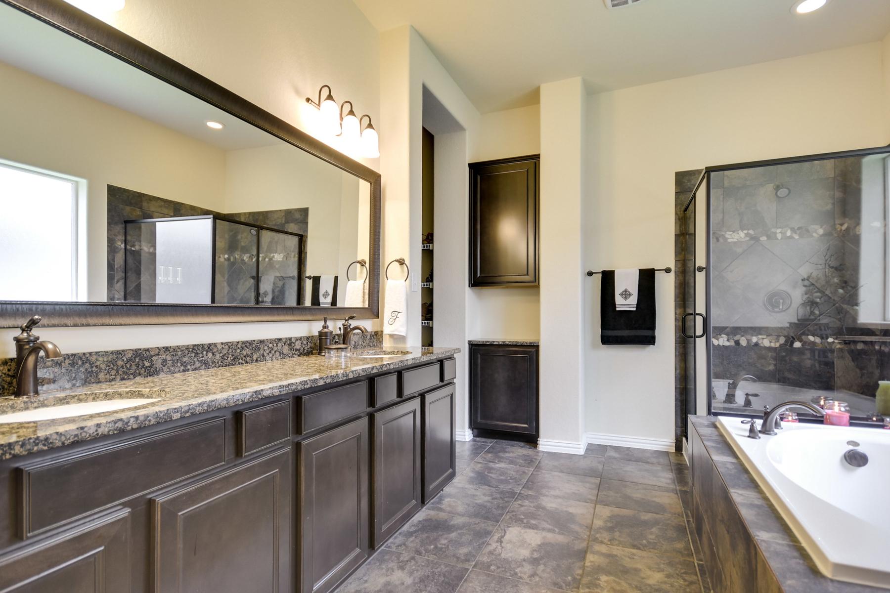 Additional photo for property listing at Beautiful Home in The Preserve at Alamo Ranch 3022 Colorado Cv San Antonio, Texas 78253 Estados Unidos