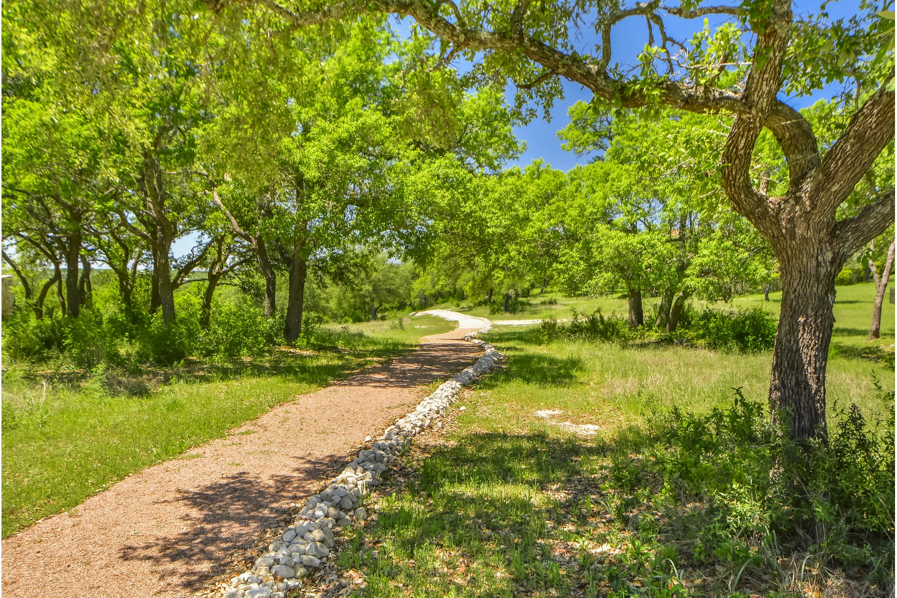 Additional photo for property listing at Build Your Dream Home 8316 Verde Mesa Cv Austin, Texas 78738 Estados Unidos
