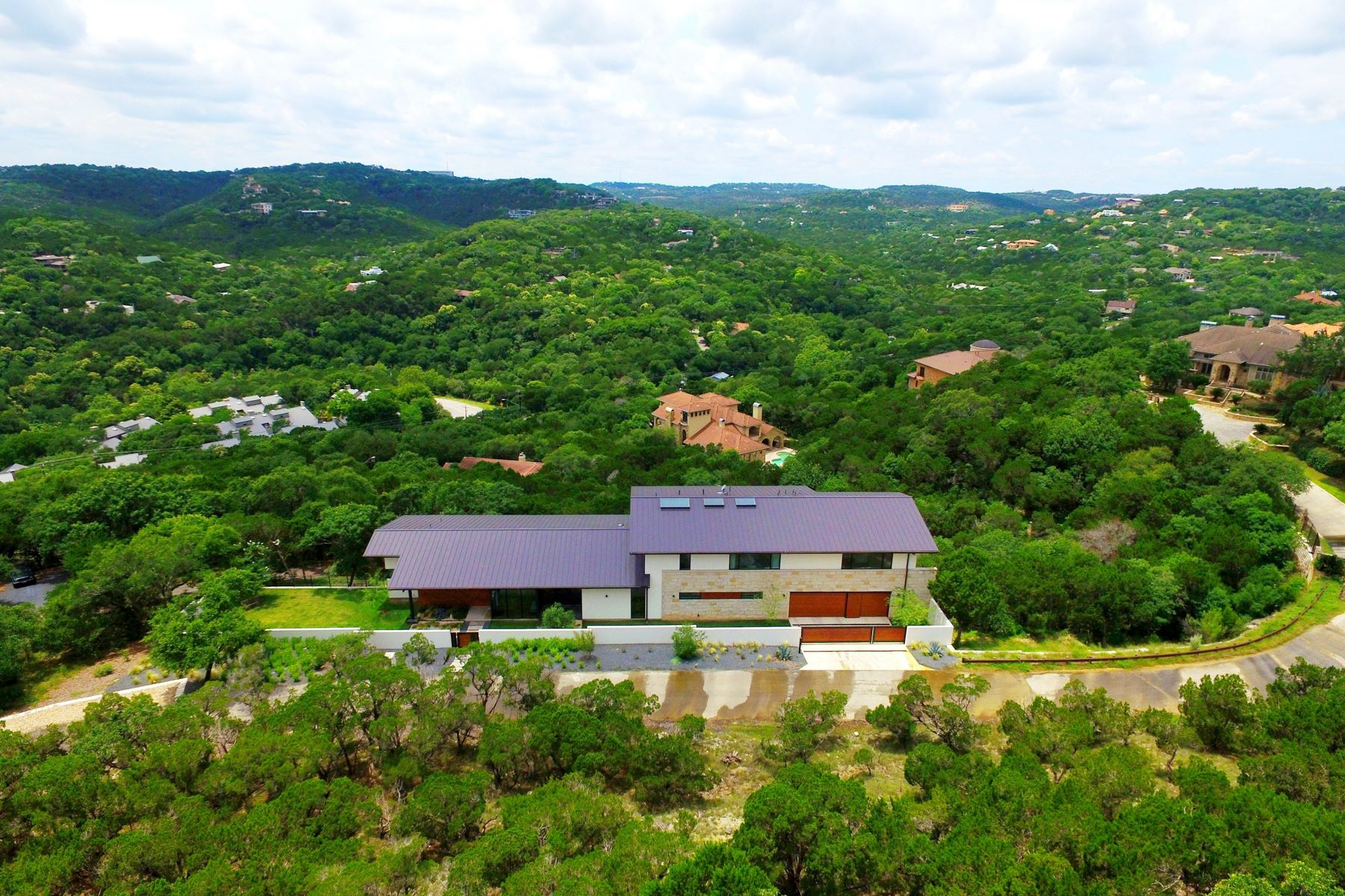 Additional photo for property listing at Exquisite Hilltop Modern in Westlake Hills 1438 Mount Larson Austin, Texas 78746 Estados Unidos