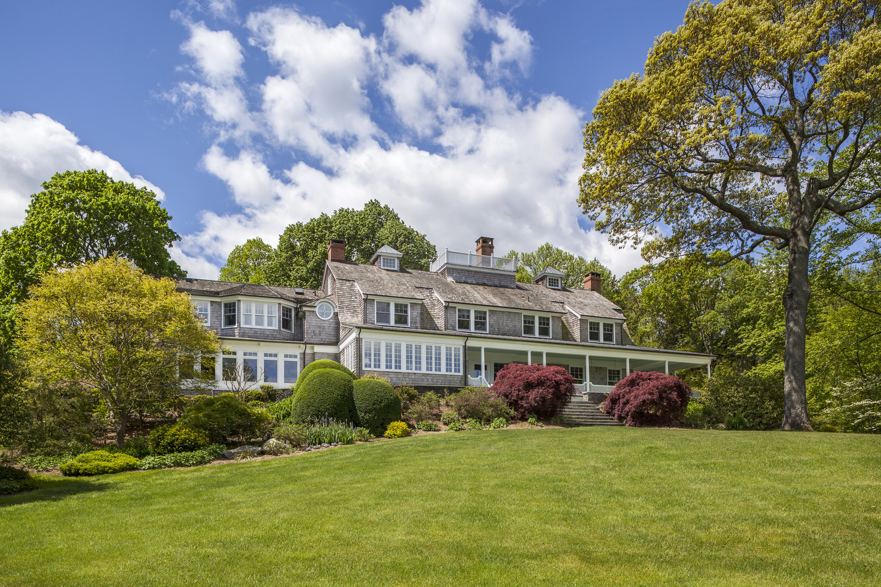 Single Family Home for Sale at Woodcrest 27 Woodcrest Dr Nissequogue, New York, 11780 United States