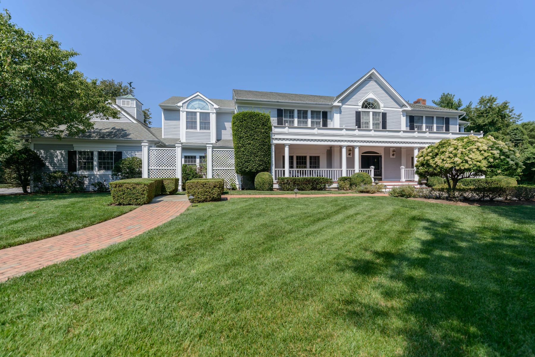 Single Family Home for Sale at Colonial 9 Fox Meadow Ln Lloyd Harbor, New York, 11743 United States