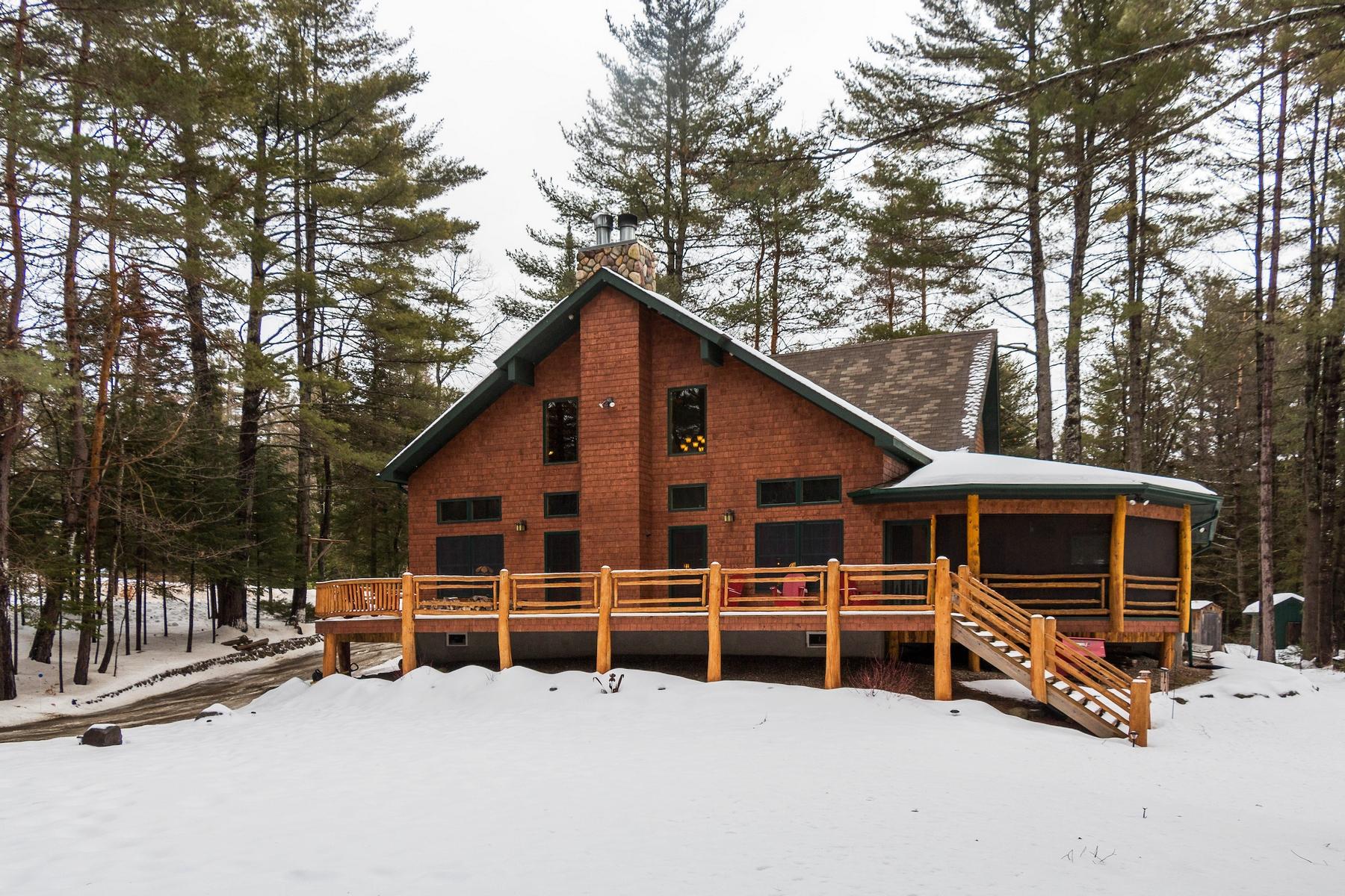Casa Unifamiliar por un Venta en Trout Brook Contemporary 46 Gouchie Rd Minerva, Nueva York 12857 Estados Unidos