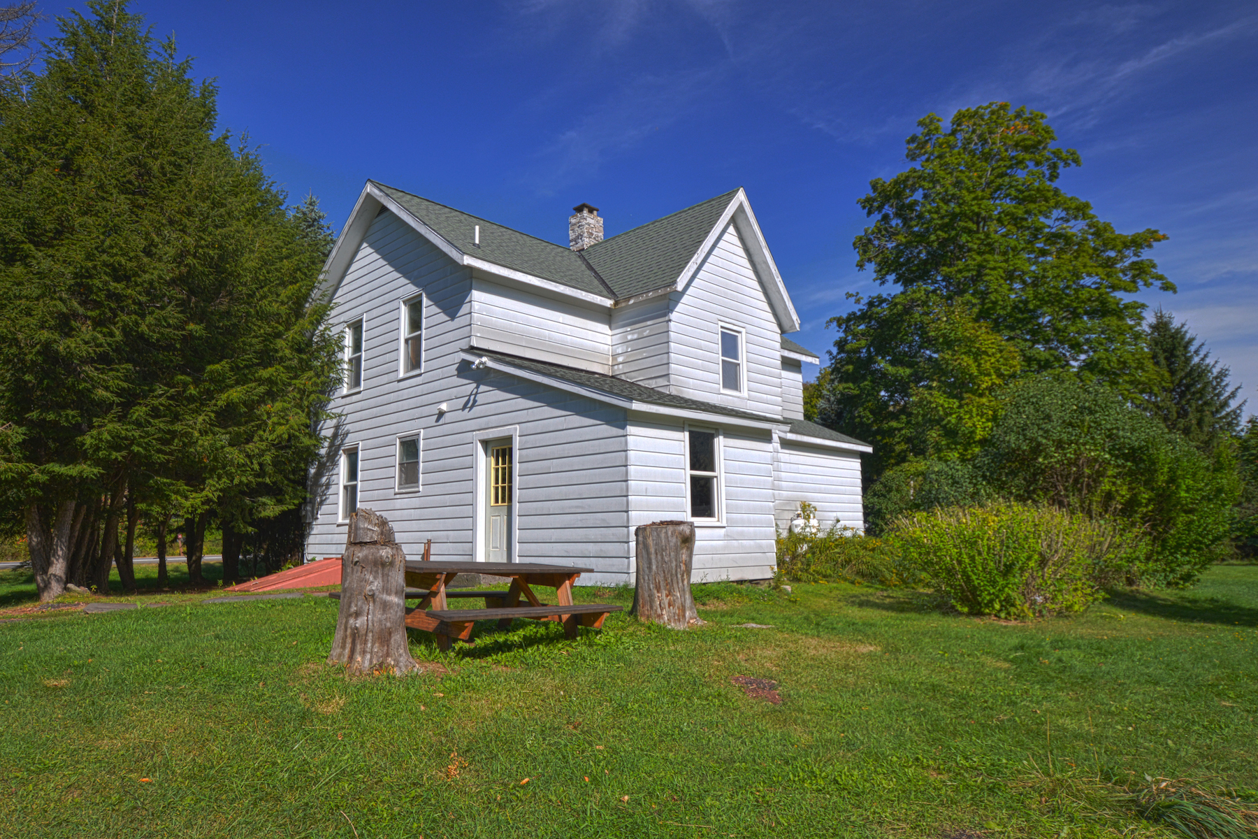 Additional photo for property listing at Farm House With Incredible View of Schoharie Creek 9093  Route 23a Jewett, Nueva York 12444 Estados Unidos