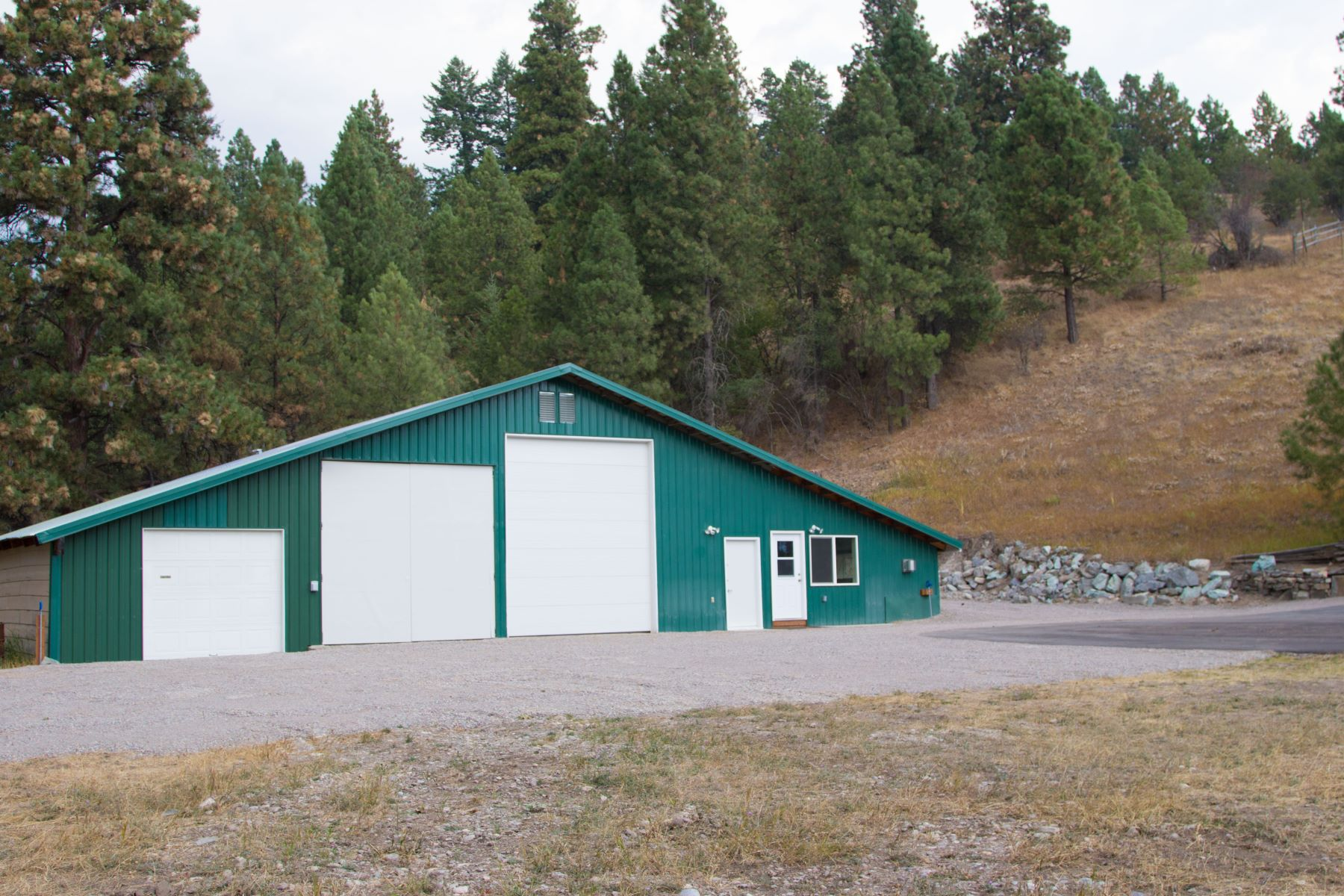 Additional photo for property listing at 232 Crestview Dr , Bigfork, MT 59911 232  Crestview Dr Bigfork, Montana 59911 United States