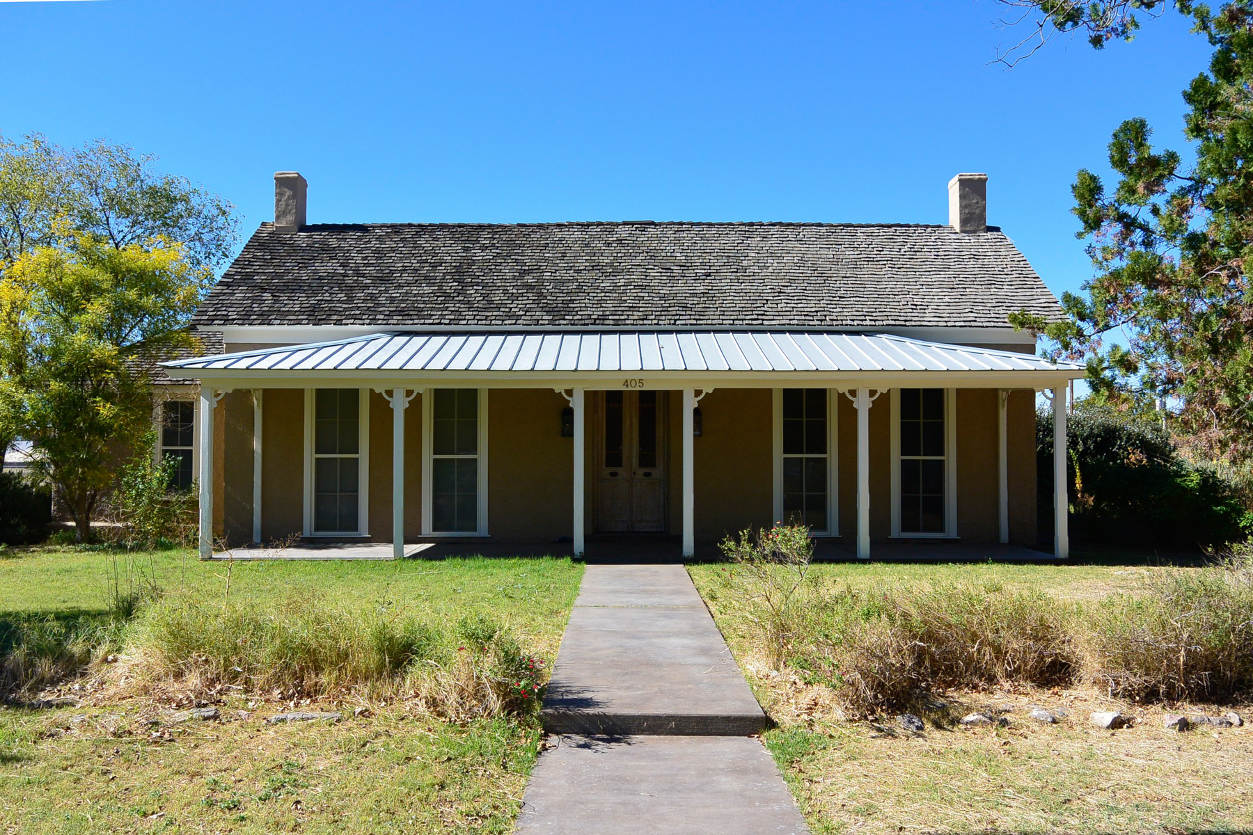 Single Family Home for Sale at Exquisite Property in Marfa 405 N Austin St Marfa, Texas 79843 United States