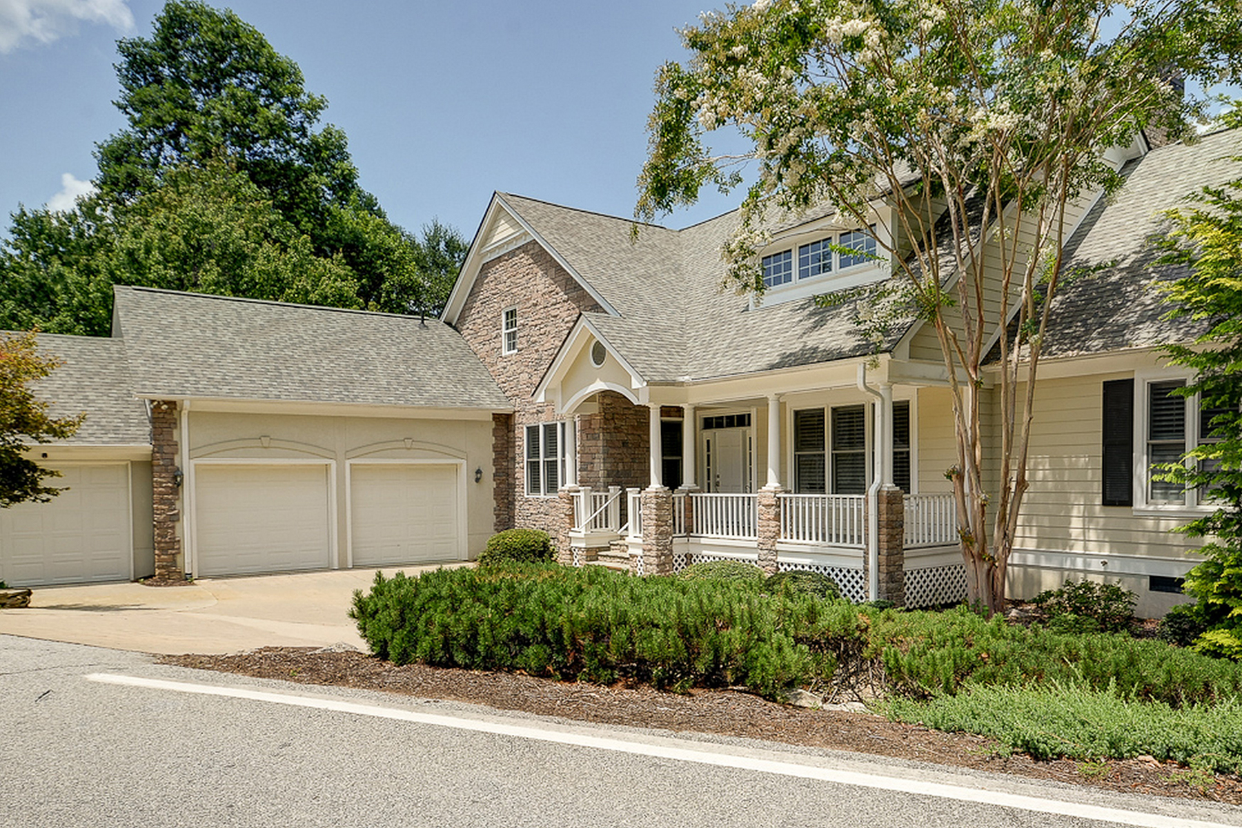 Single Family Home for Sale at THE CLIFFS AT GLASSY 3 Soft Breeze Ct Landrum, South Carolina, 29356 United States